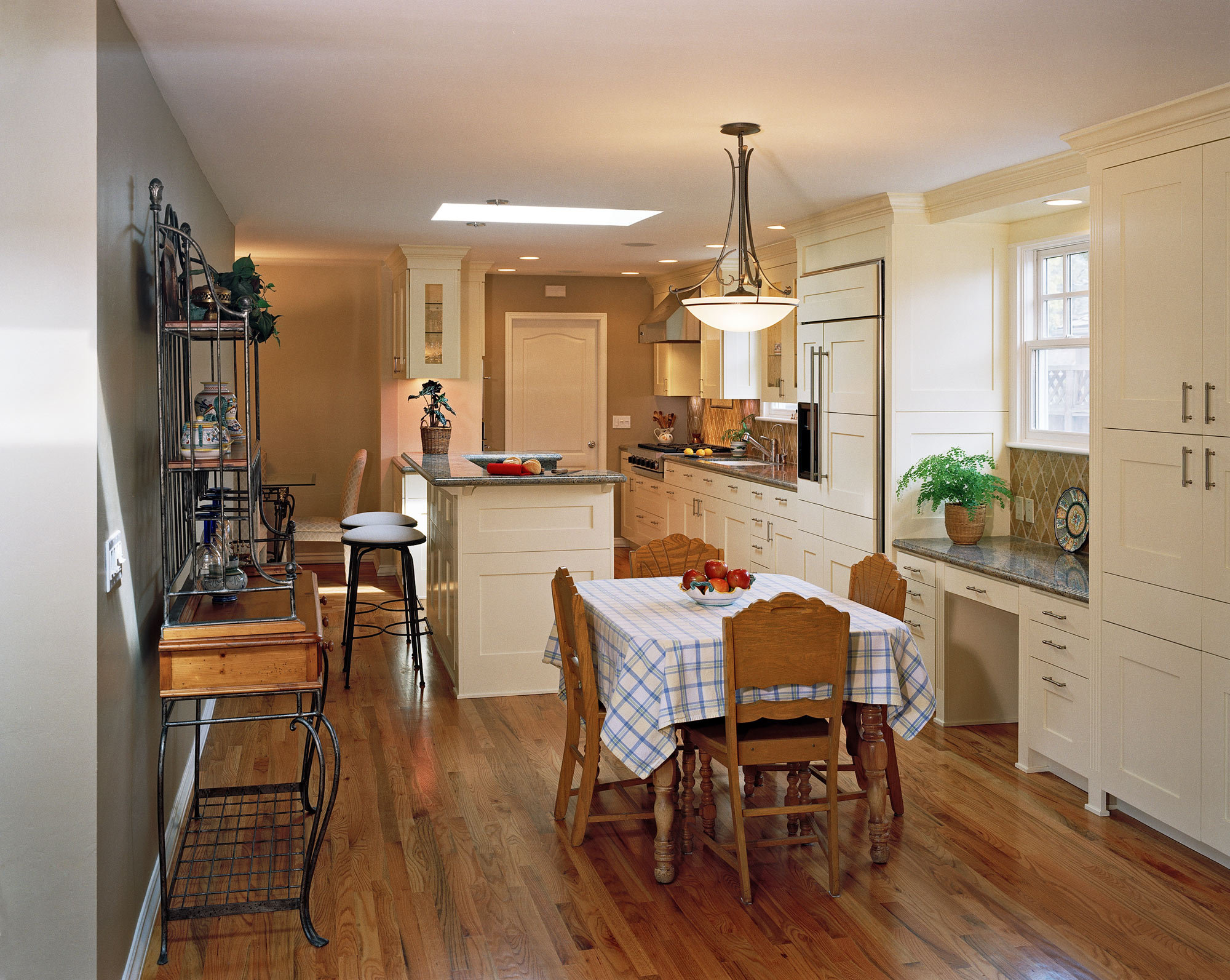 Kitchen and dining room.jpg