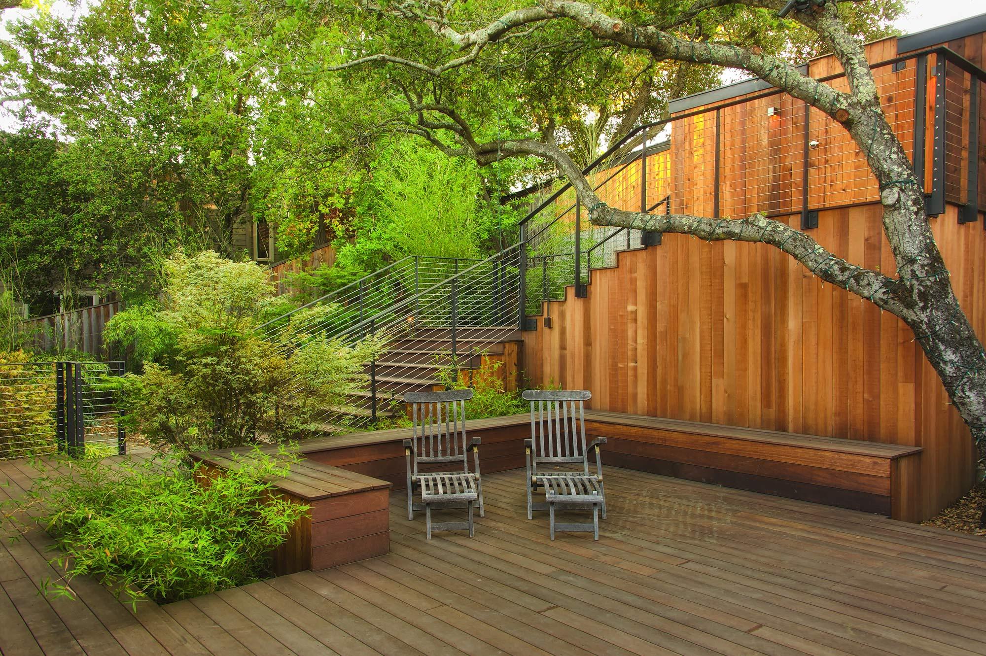 new-modern-house-front-deck.jpg