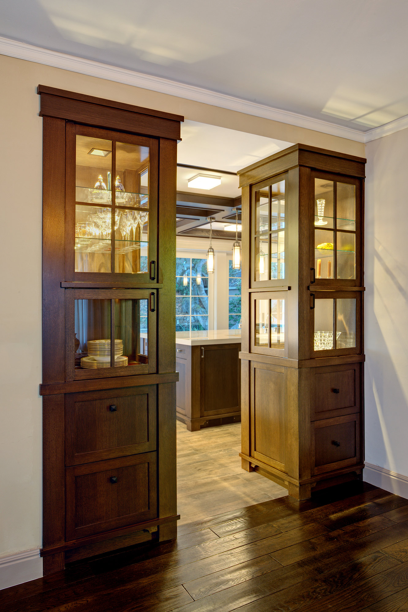 Kaplan-Architects-lighted-display-cabinets.jpg