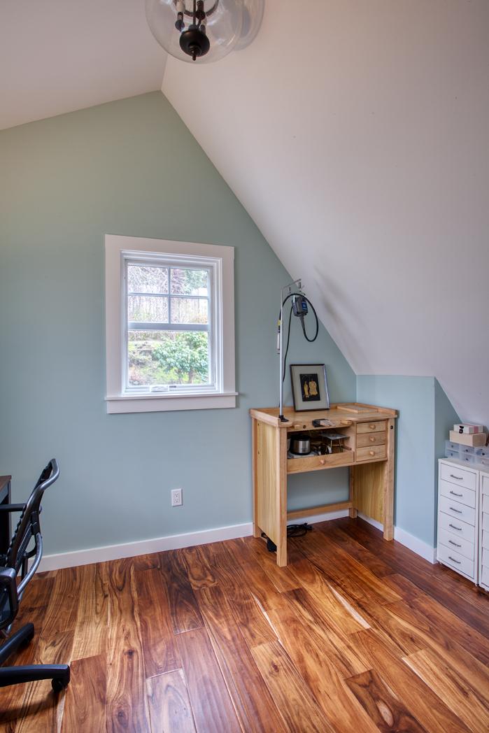 Kaplan-Architects-attic craft-room.jpg