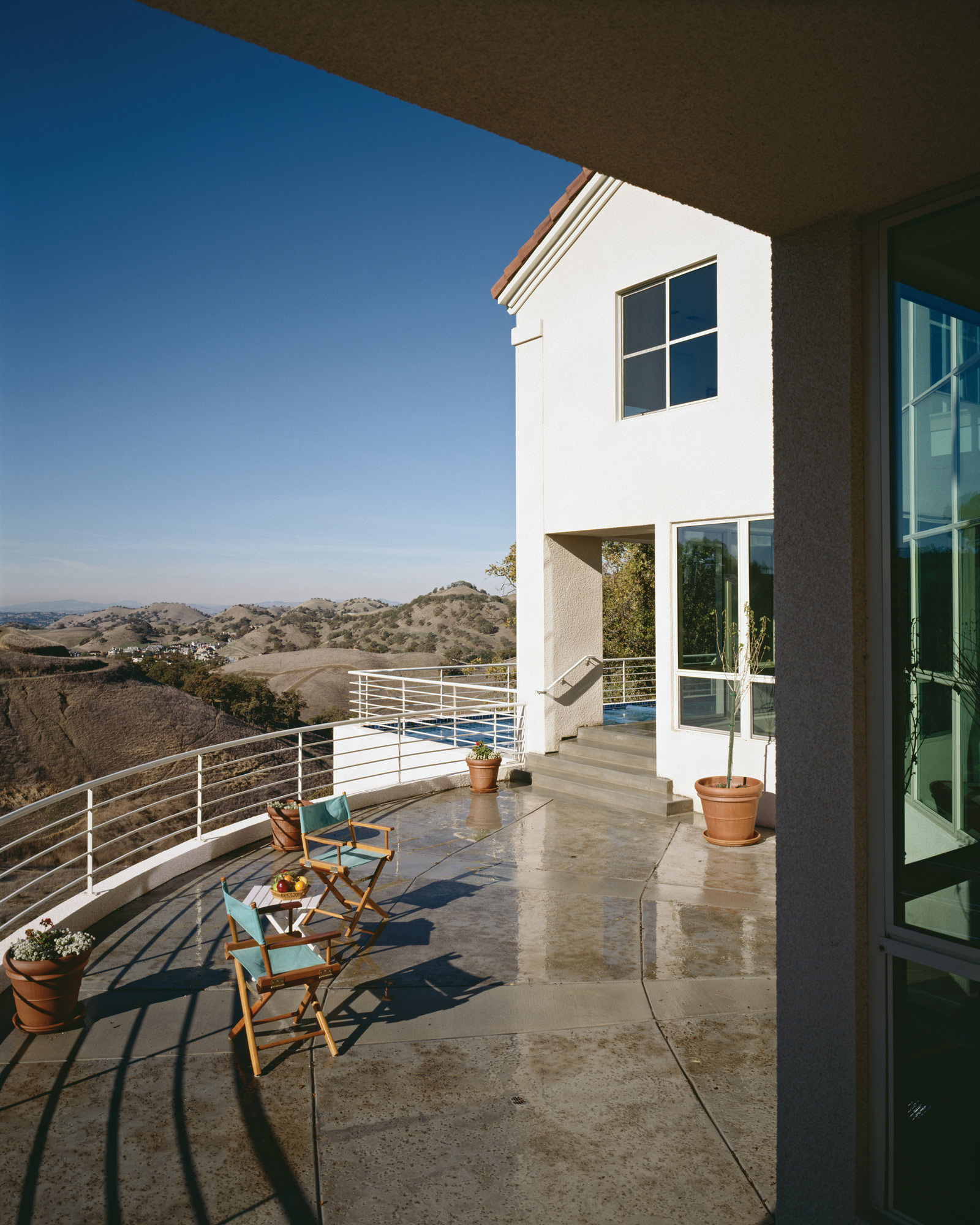 Kaplan-Architects-new-modern-hillside-house-3.jpg