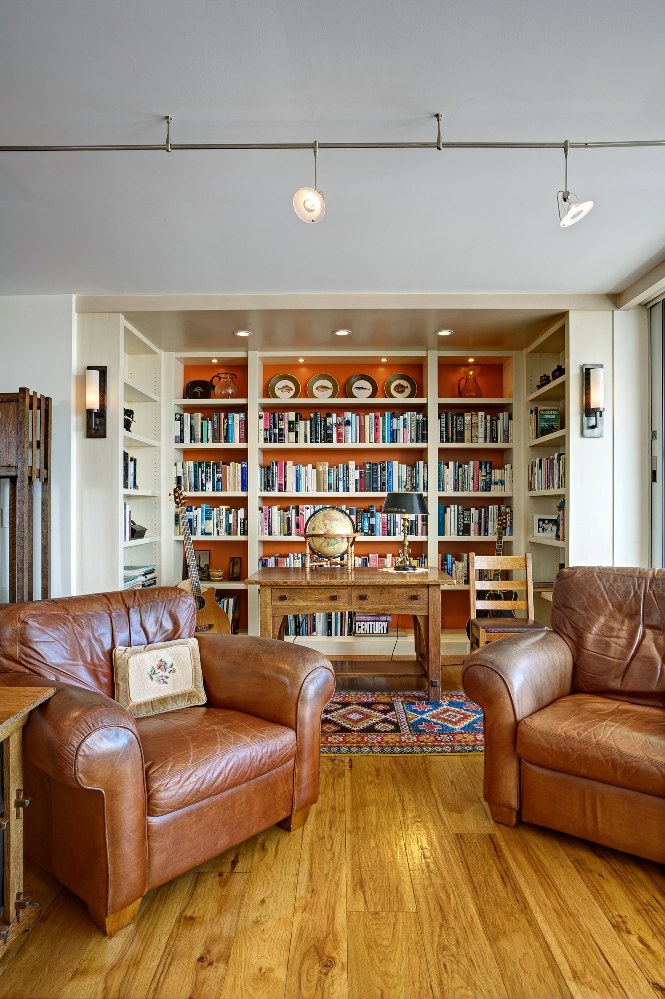 Kaplan-Architects-high-rise-interior-remodeled-library.jpg