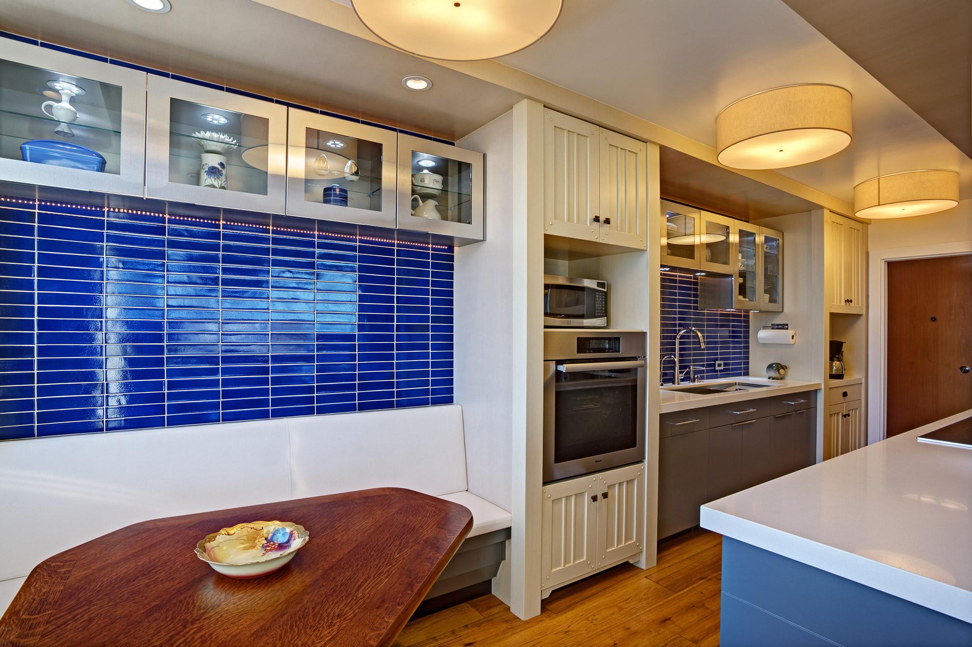 Kaplan-Architects-high-rise-interior-remodeled-kitchen-built-in-bench.jpg