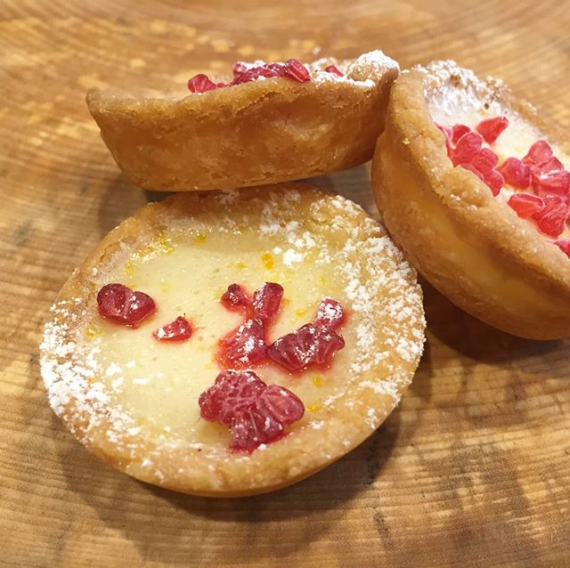 Yummy Lemon Tarts made today! Silky lemon filling with raspberries 🍋 . . . #fionasfood #christchurchcatering #chccatering #foodporn #partyfavours #foodinspo #christchurchfood #baking #cooking #food #christchurch #lemontarts