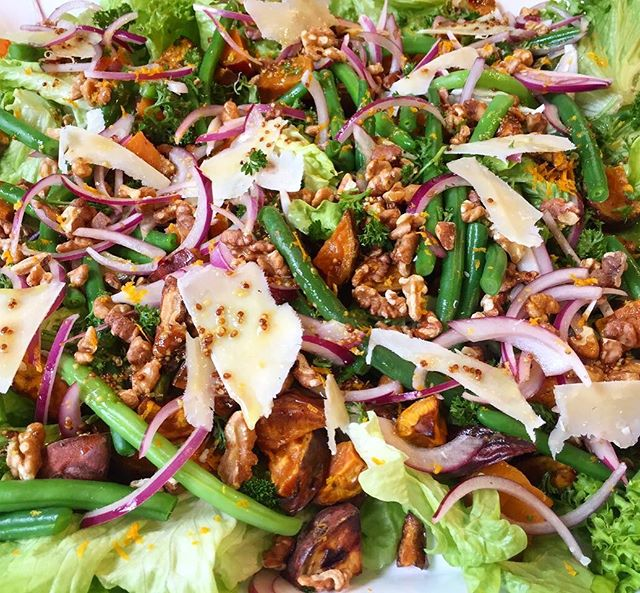 How's that for tasty?!. @nadialimcooks Roast Kumara, green bean, parmesan and walnut salad 😋 . . . . #fionasfood #christchurchcatering #chccatering #catering  #foodporn #partyfavours #foodinspo #christchurchfood #christchurch #chchesats #christchurcheats #salad #eattherainbow