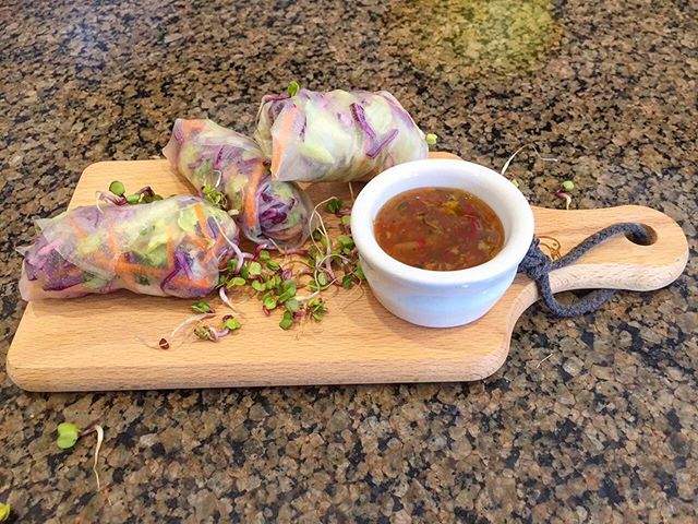 No one can go past fresh Vietnamese Spring Rolls - a great healthy Gluten-Free option 🤩 . . #fionasfood #christchurchcatering #chccatering #catering  #foodporn #partyfavours #foodinspo #christchurchfood #christchurch #chchesats #christchurcheats #eattherainbow #glutenfree #vietnamese #vietnamesespringrolls #healthyoption