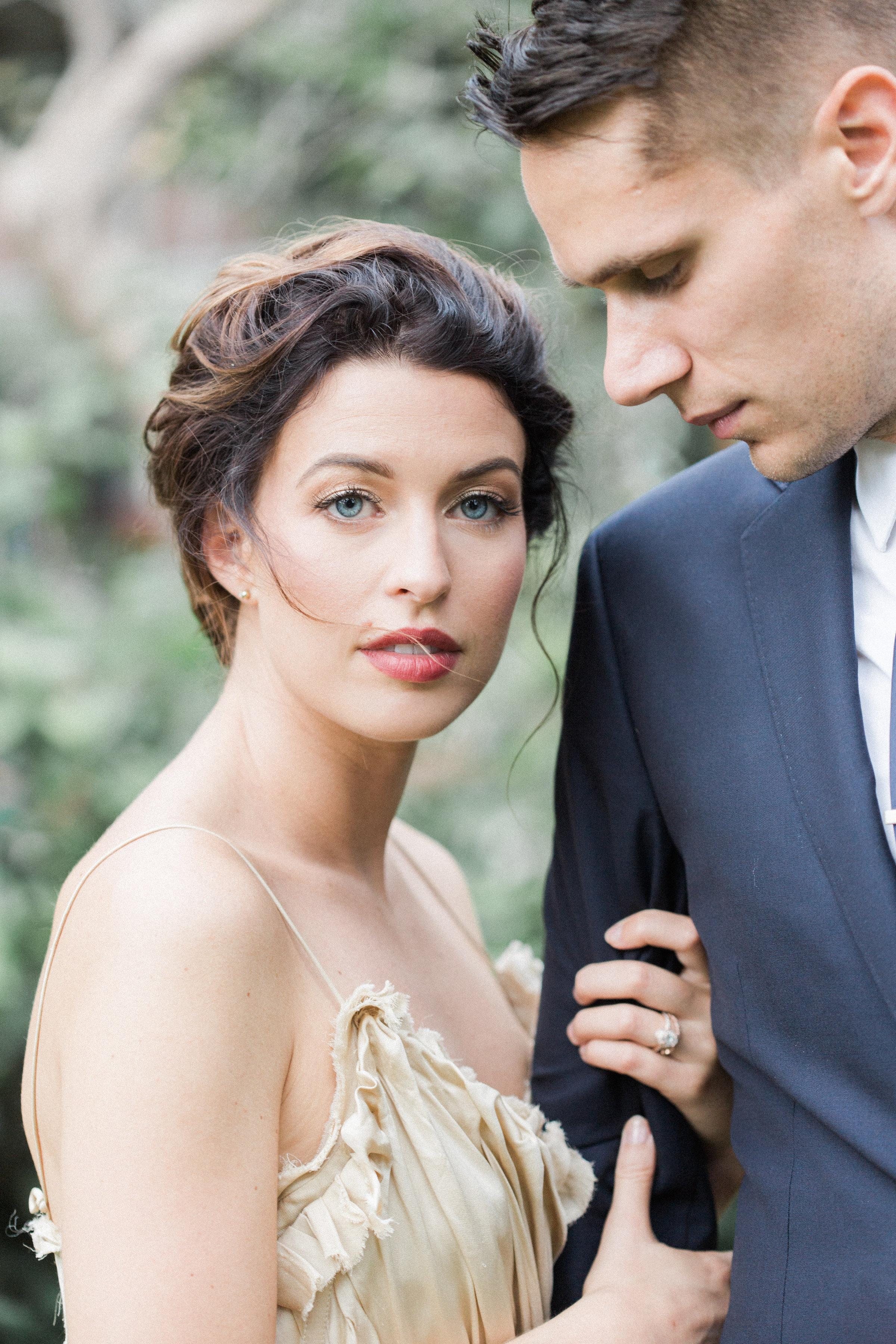 Grey Likes Weddings Editorial at 300 Clifton