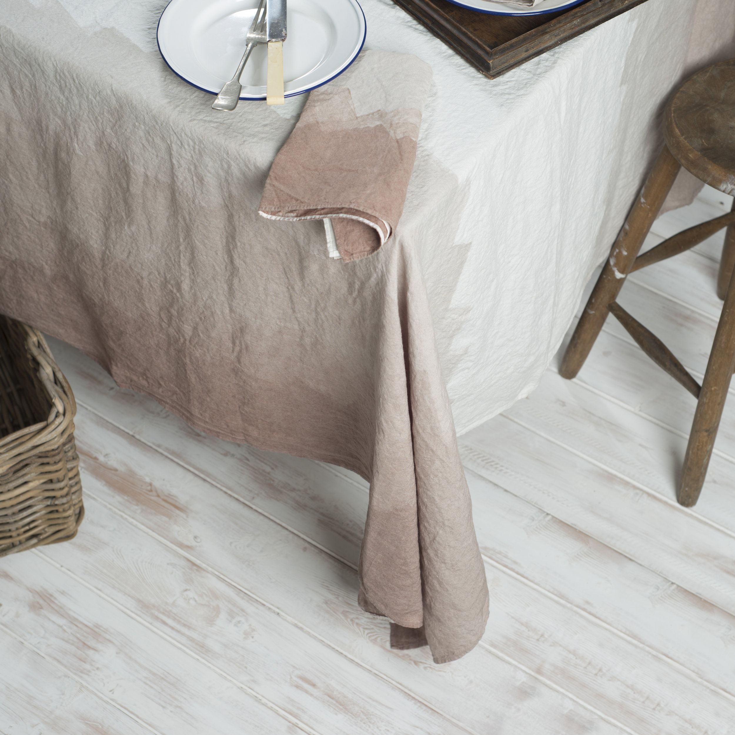 Luxurious Table Cloths
