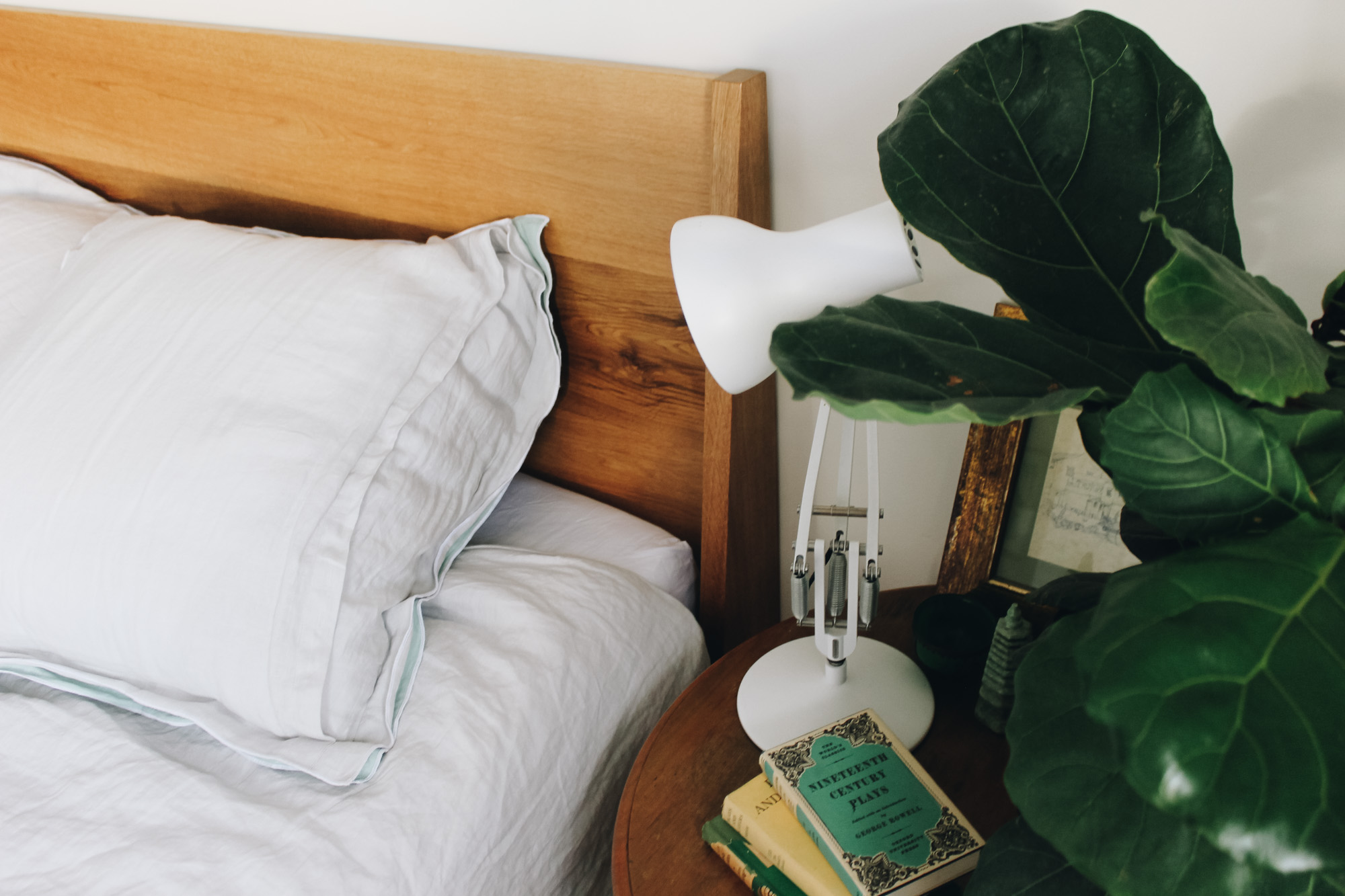 Al and Imo Handmade-mod-bed-custom-american-oak-bed-frame-mid-century-inspired-surf-coast-melbourne-australia-6.jpg