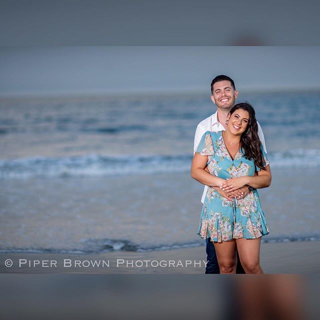 It's August and I haven't really spent much time at the ocean. I need to rectify this immediately!  #piperbrownphotography #riweddingphotography #riweddingphotographer #engagedri #engagementphotos #riengagementsession #beachengagement