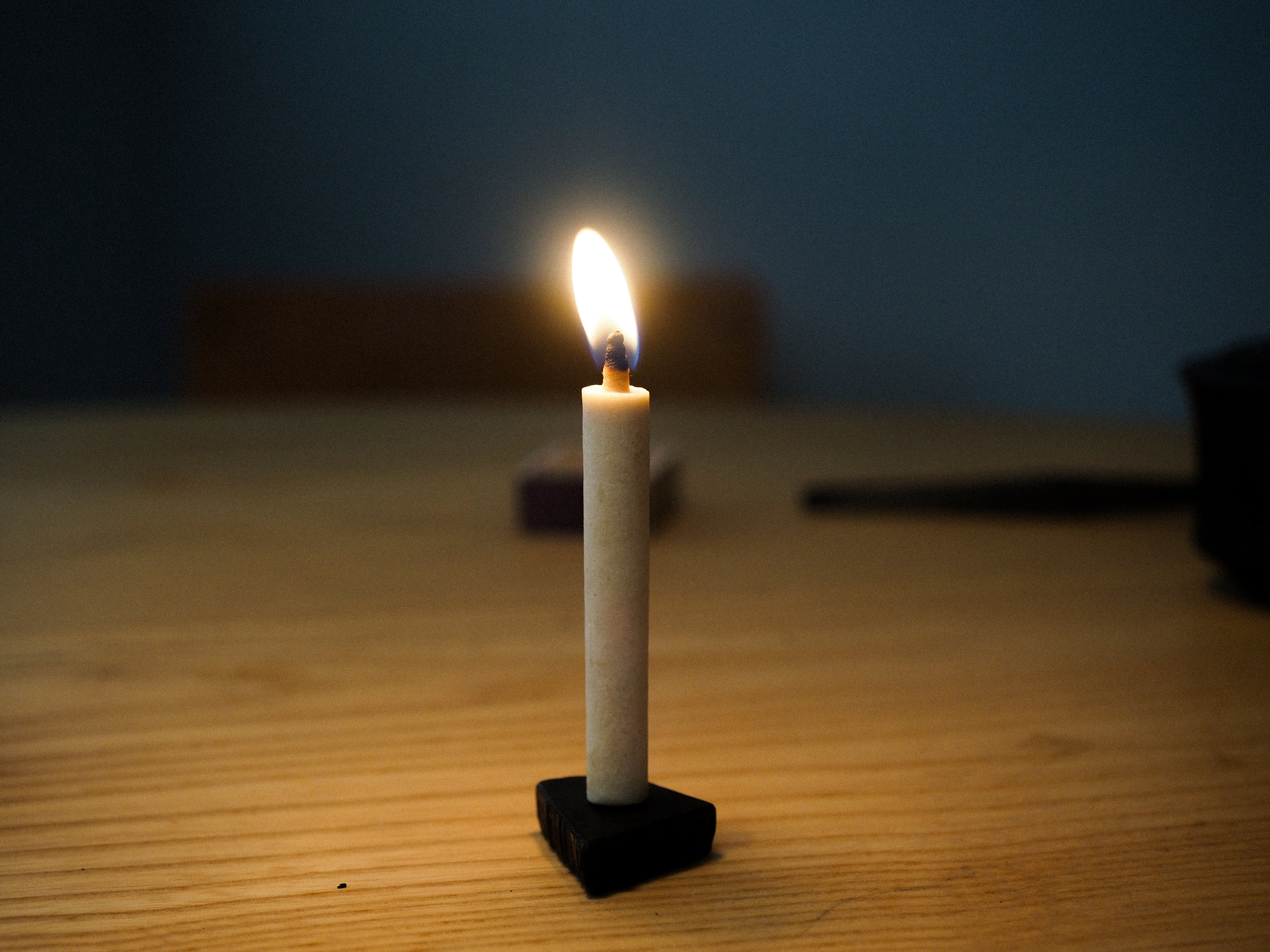 Candles are Burned in slow, mindful ritual.  Daiyo candles are used in Buddhist temples throughout Japan.
