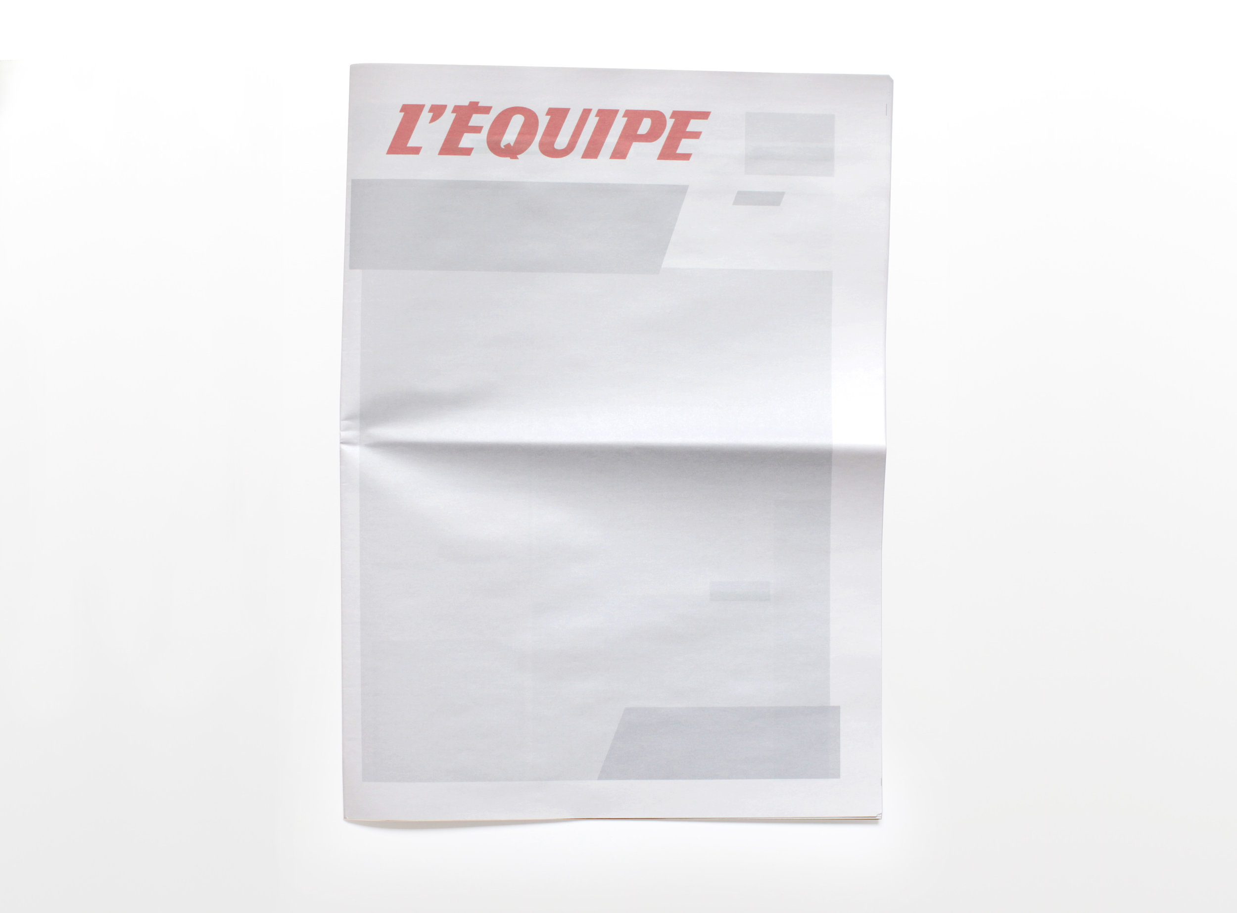 NOTHING IN L'EQUIPE : Newspapers from around the world with nothing in them.