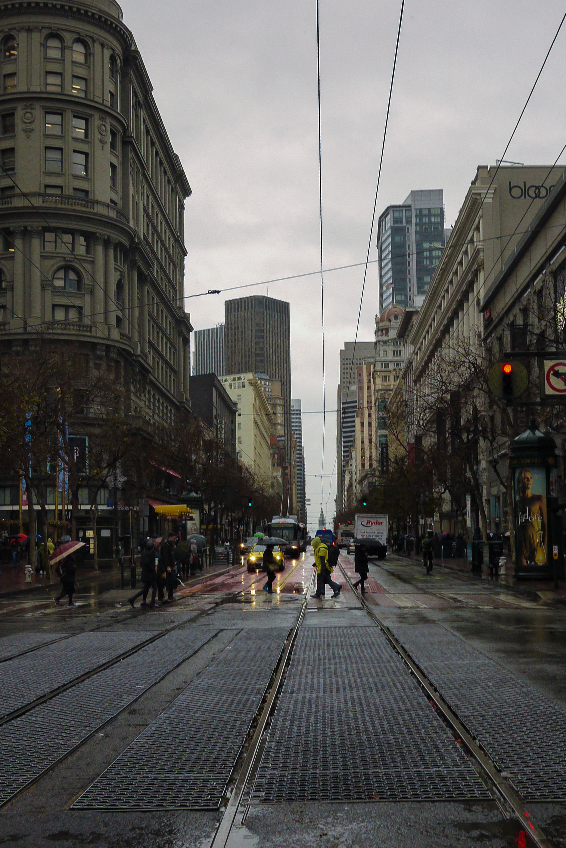 "<p style=""font-family:brandon-grotesque;font-weight:500; font-size:11px; text-center:left; color:light grey;letter-spacing: 1px"">JANUARY 10, 2017 • RAIN FOR DAYS • � San Francisco, CA</p>"