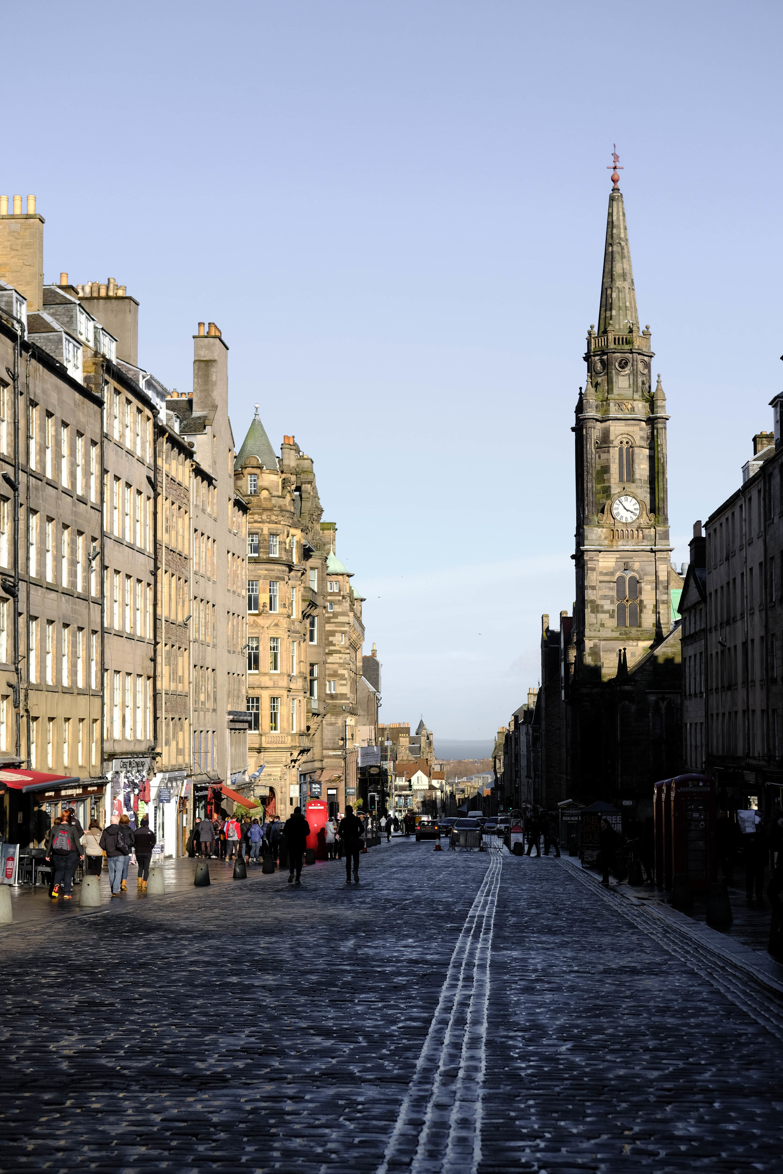 "<p style=""font-family:brandon-grotesque;font-weight:500; font-size:11px; text-center:left; color:light grey;letter-spacing: 1px"">MARCH 19, 2017 • OLD WORLD CHARM • � Edinburgh, Scotland</p>"