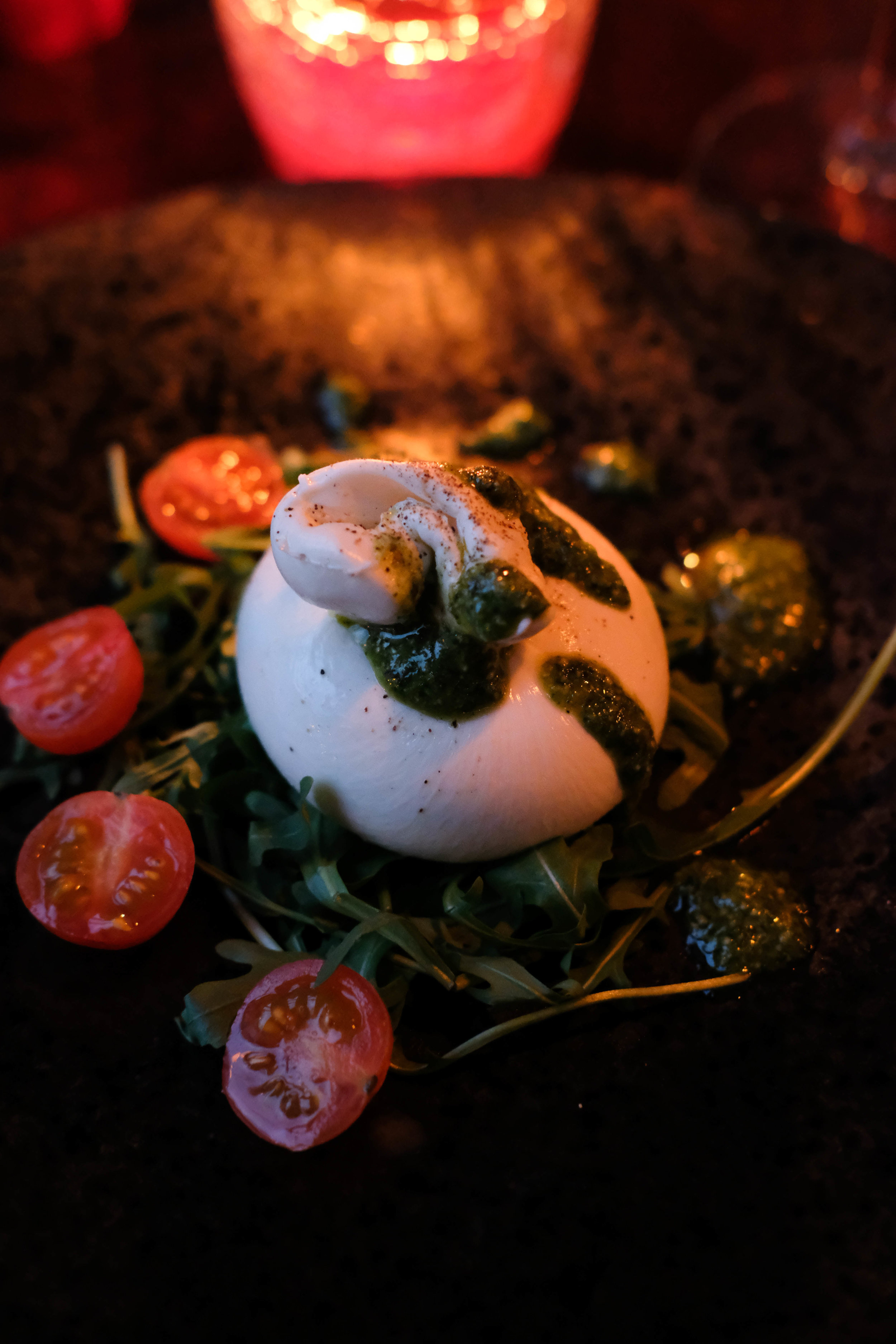 "<p style=""font-family:brandon-grotesque;font-weight:500; font-size:11px; text-center:left; color:light grey;letter-spacing: 1px"">FEBRUARY 16, 2018 • BURRATA • �Bath, UK 🇬🇧</p>"