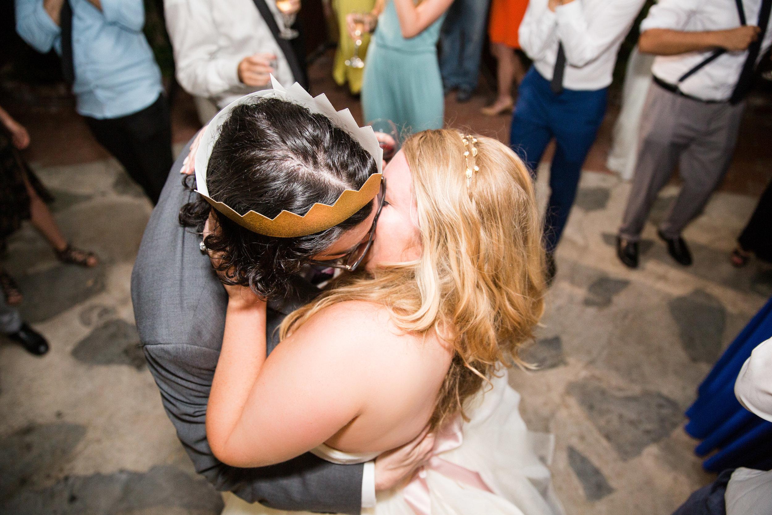 dance kiss