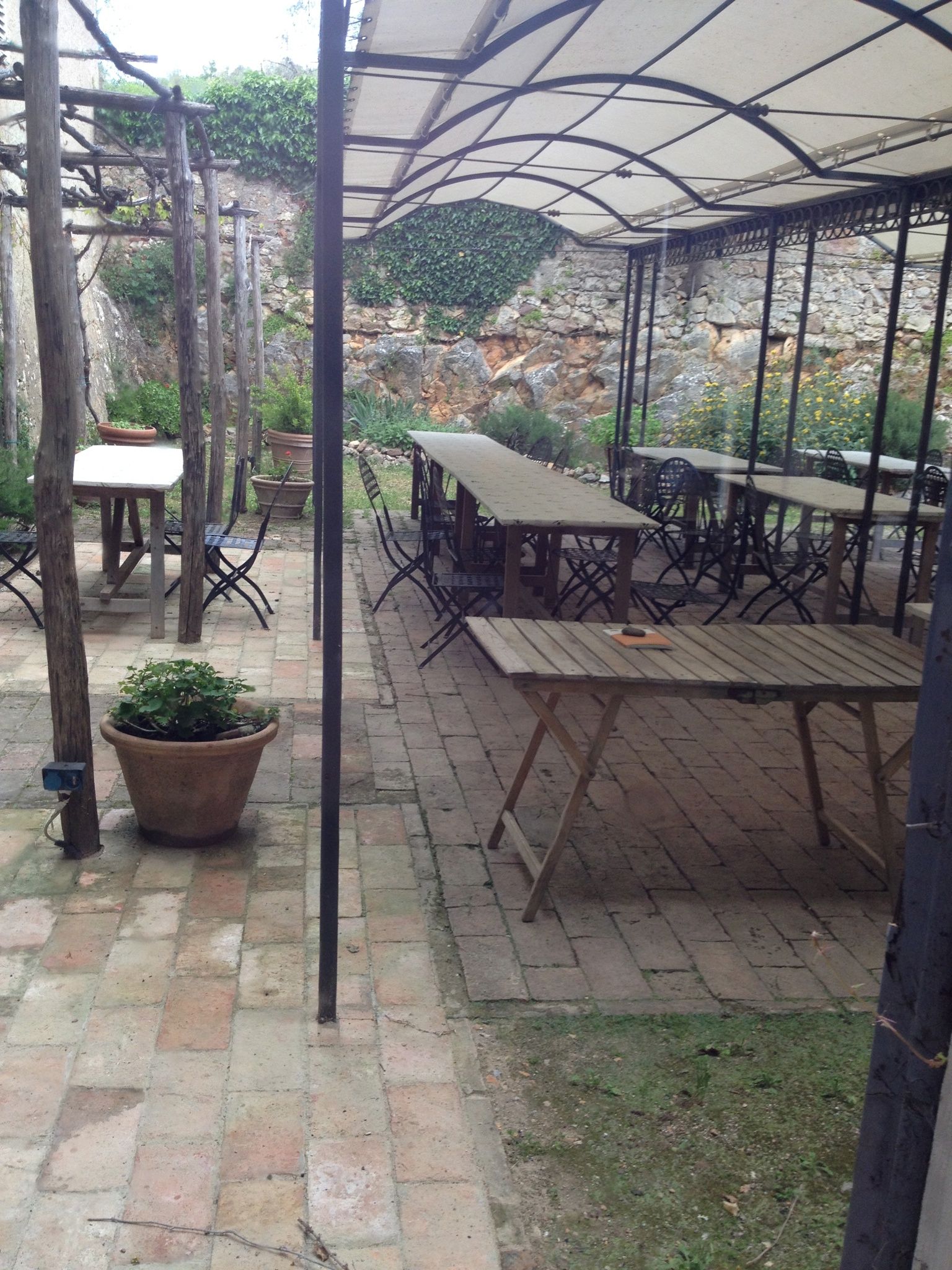 Dining patio at Spannocchia