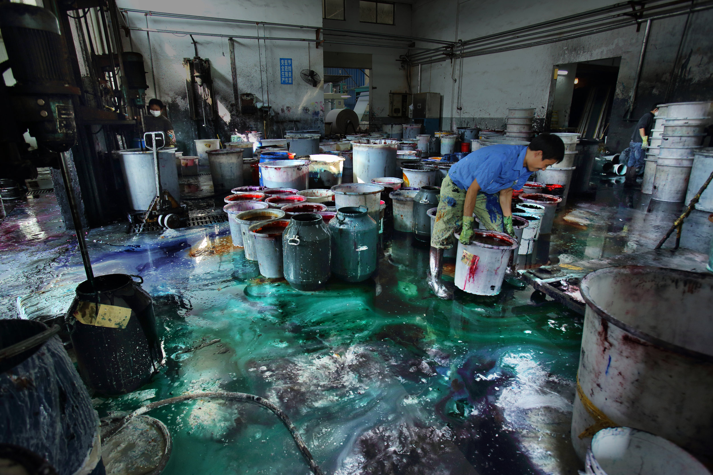 COPYRIGHT LU GUANG/ GREENPEACE Dye Plant in Zhejiang, China   Greenpeace's Detox My Fashion campaign brought attention to pollution and health hazards of dyes and other chemicals used in textile manufacturing
