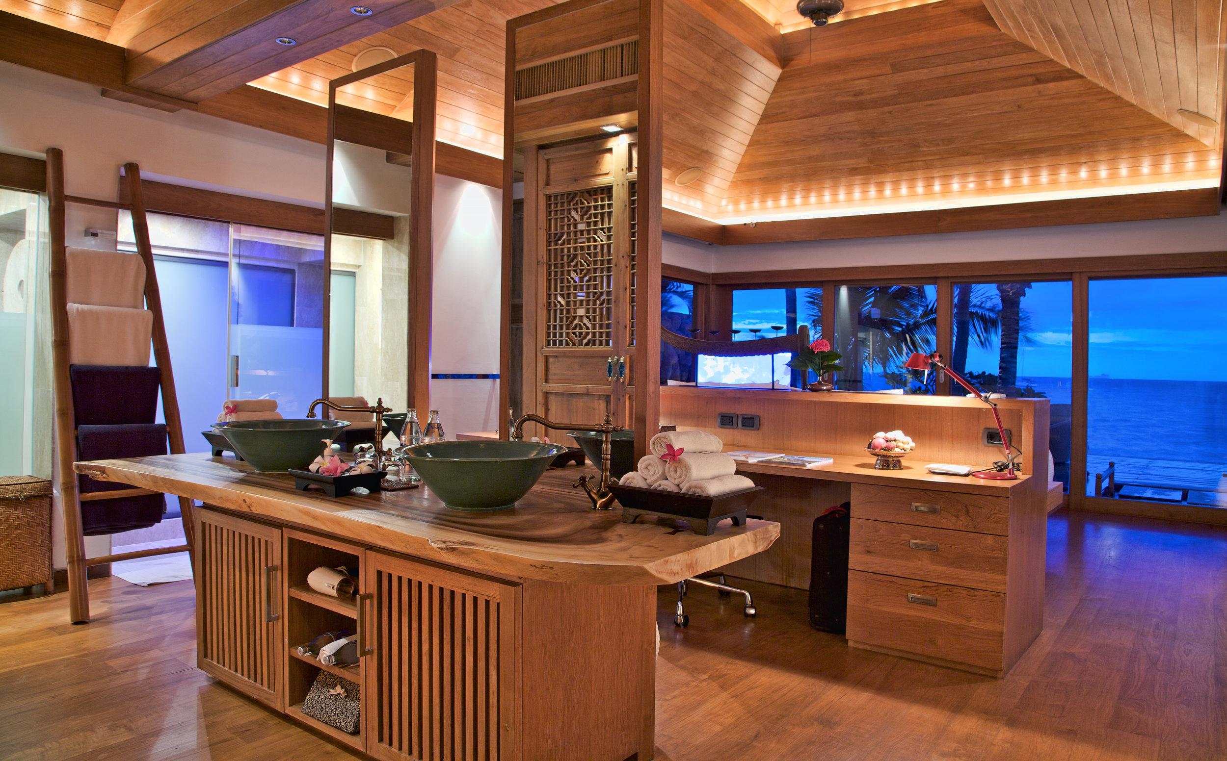 Master Suite Vanity area.jpg