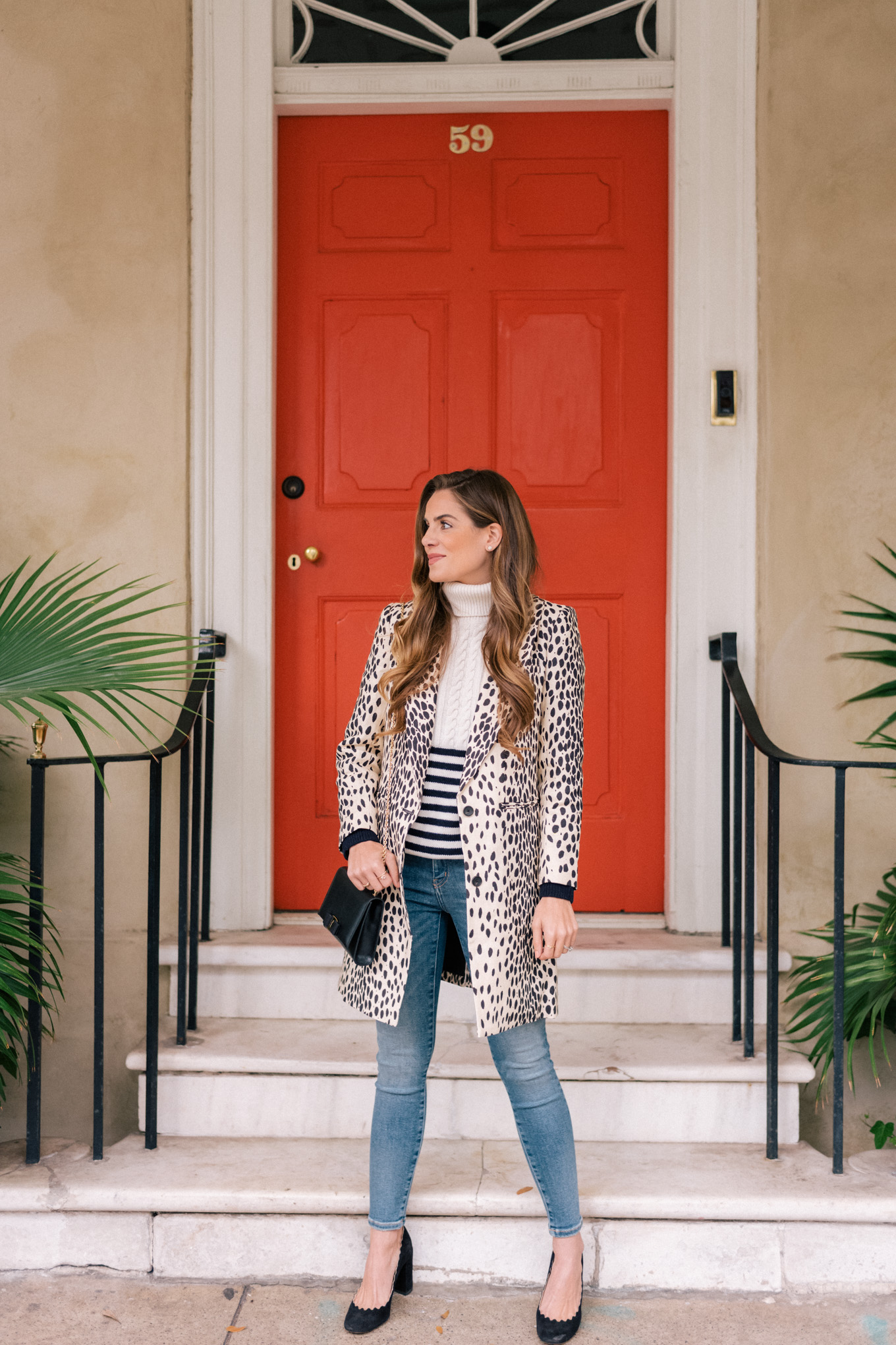 I saw lots of leopard coats this past year and I definitely think I need to add one to my closet. I love Julia's here because of how streamlined it is.