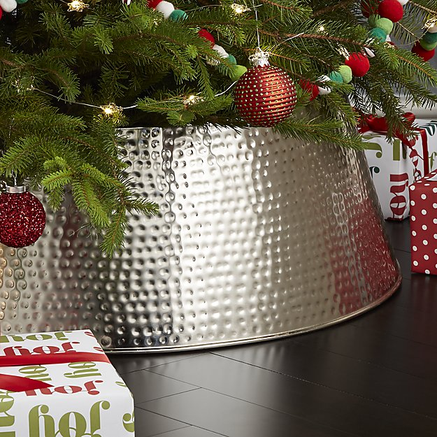 Crate & Barrel 20% Off Sale - Need some more holiday decor (I do!) or looking for a great gift for the at-home chef? Crate & Barrel is a one stop shop for all things home and kitchen. This Black Friday they are giving 20% off! My favorites are this Silver Tree Collar (I'm ditching tree skirts this year #doghairmagnet), Footed Cake Stand + Dome, and French Kitchen Marble Roller.