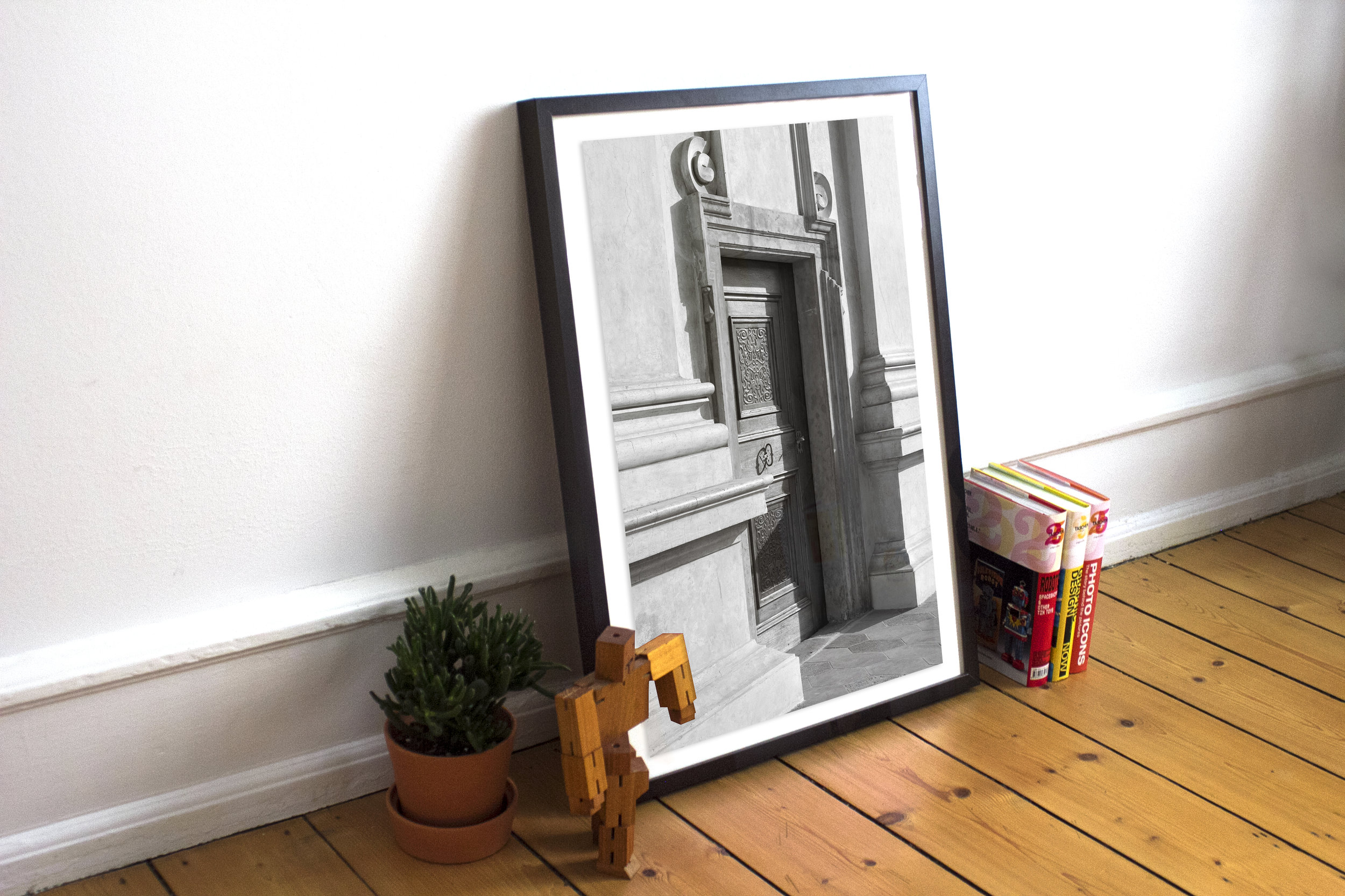 MOCKUP-02-NDprague door.jpg