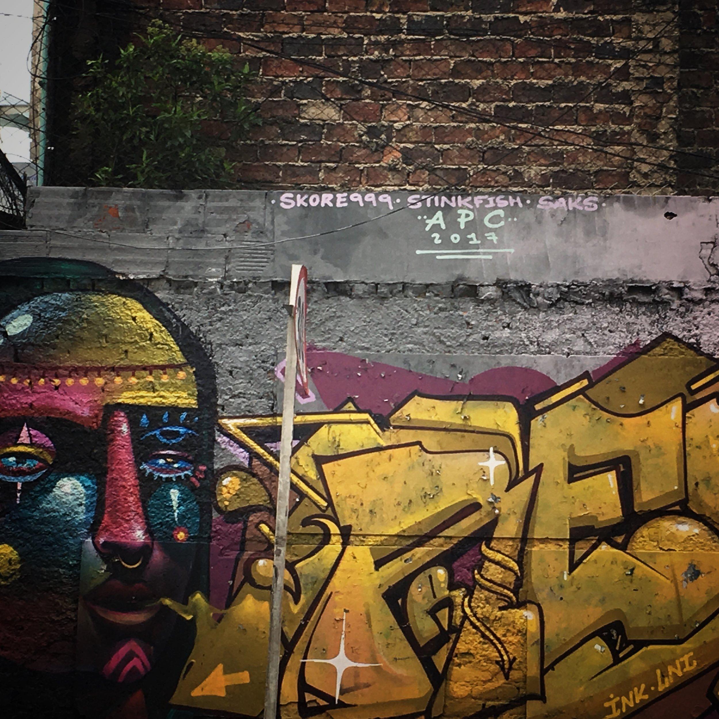 1/3 wall : APC www.animalez.org