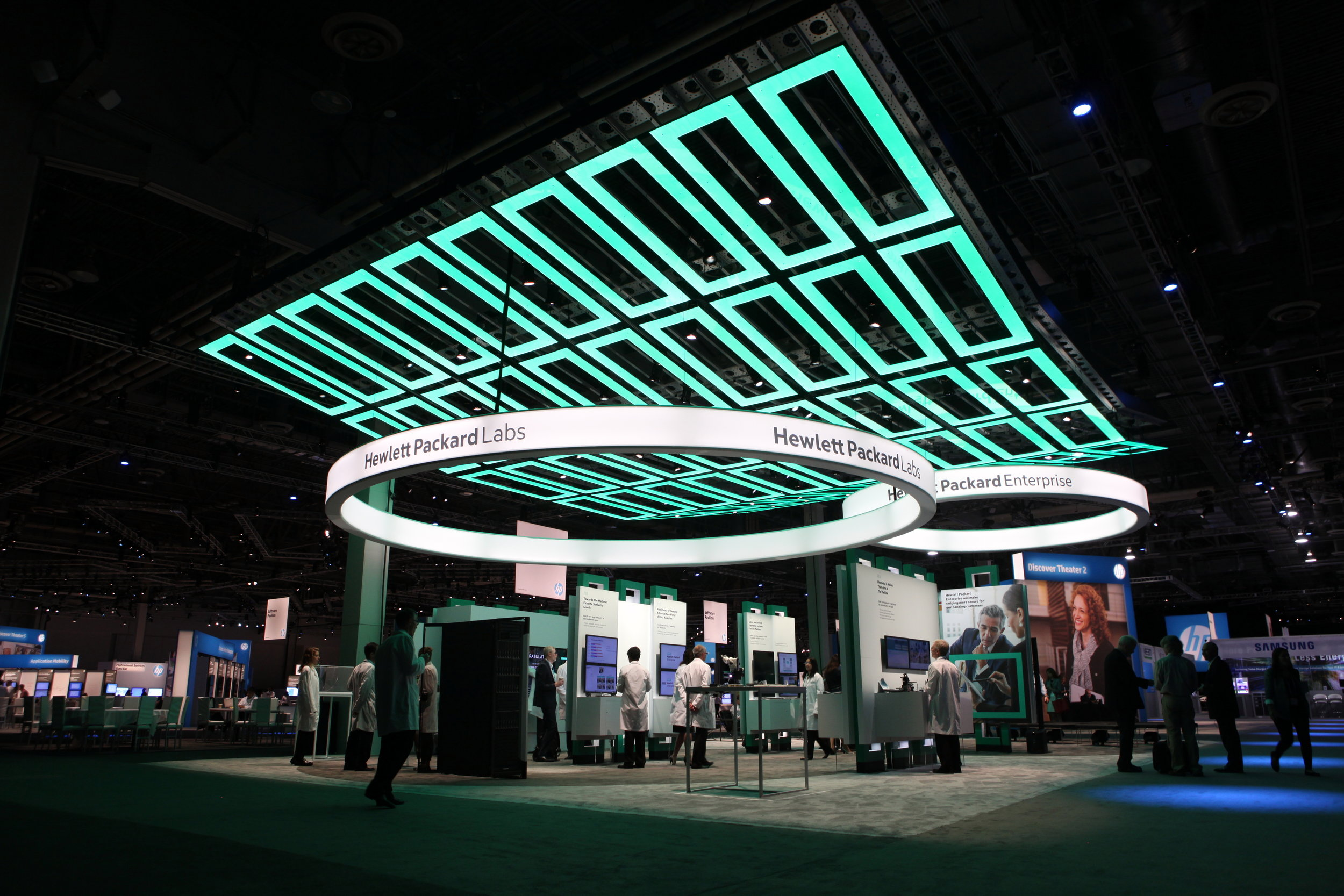 HPE_Discover Booth_2 (1).jpg