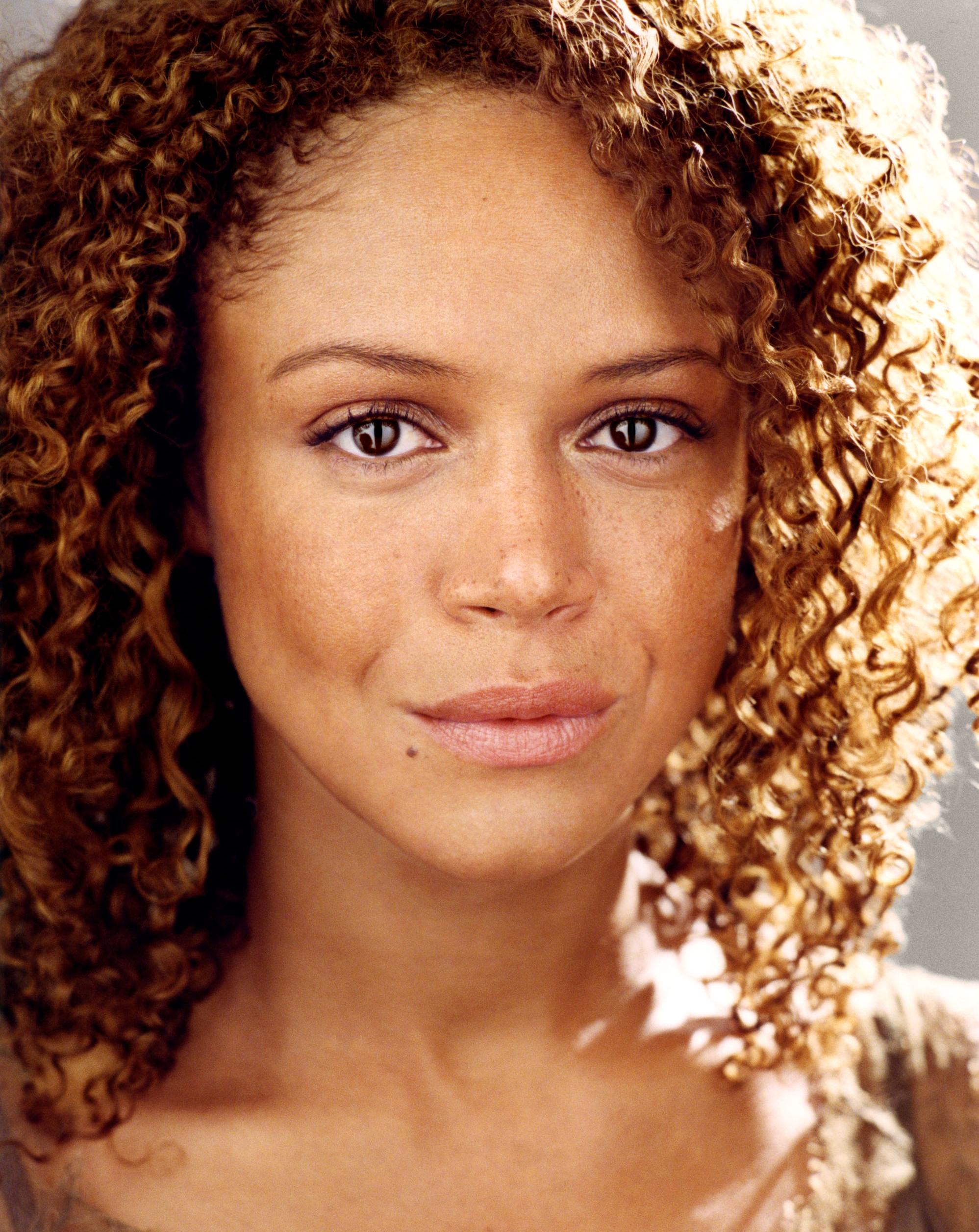 Amber Gray -  Melinda