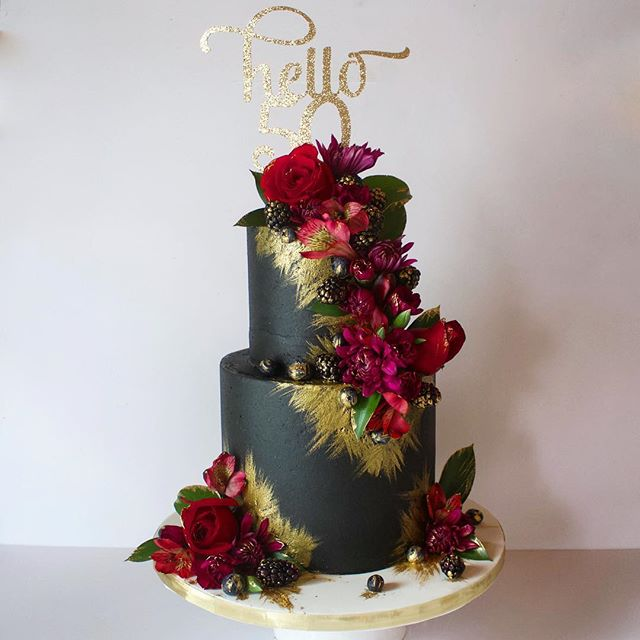 Saying hello to 50 with some black & gold, berries & wild fresh florals! 🌹🍓