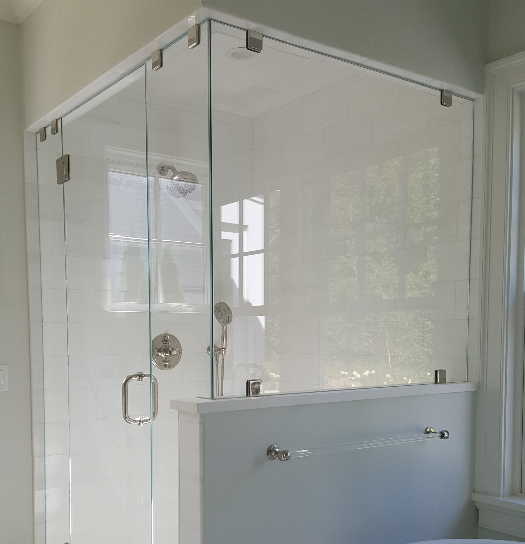 Frameless glass shower enclosures - Residential and Commercial Glass on the Vineyard, from Dukes County Glass & MirrorAre you looking to add beauty and elegance to your home? Dukes County Glass & Mirror is your answer for all your residential glass needs throughout the Martha's Vineyard island. Our glass company began by building mirrors and shower doors more than 3 years ago. Our focus is on high-quality products and expert craftsmanship, enabling us to bring elements of luxury into homes and making us the perfect fit for your glass installations.