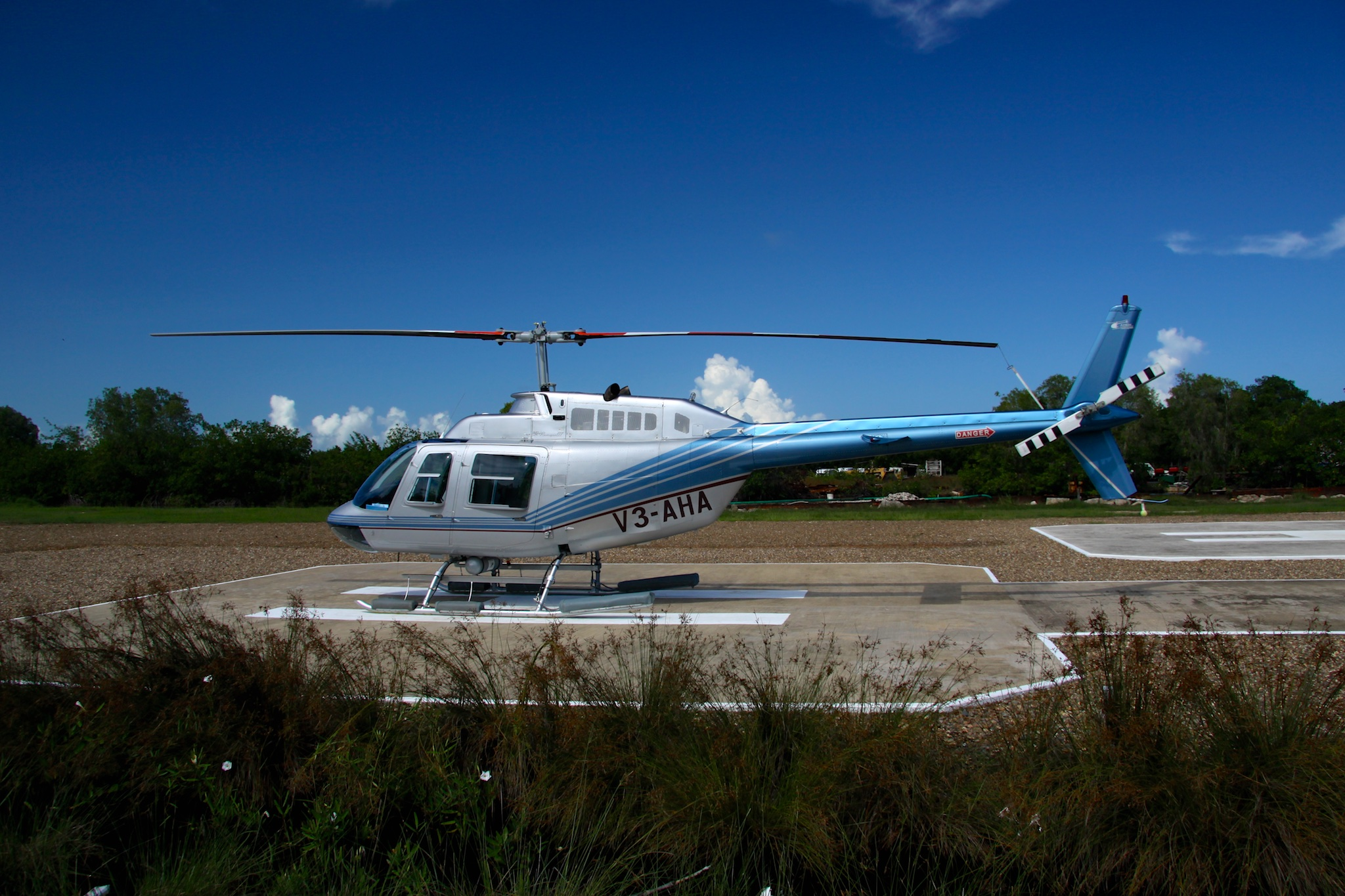bell 206 B3 Jet Ranger - It is perfect for private tours!