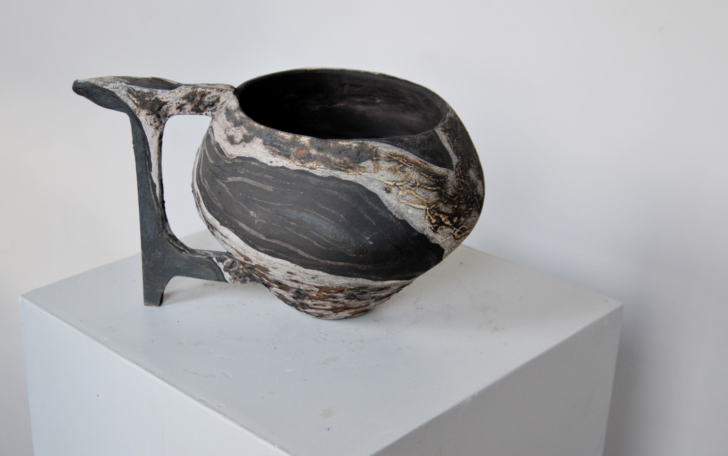Vase 1    32.25.25 cm   Glazed terracotta