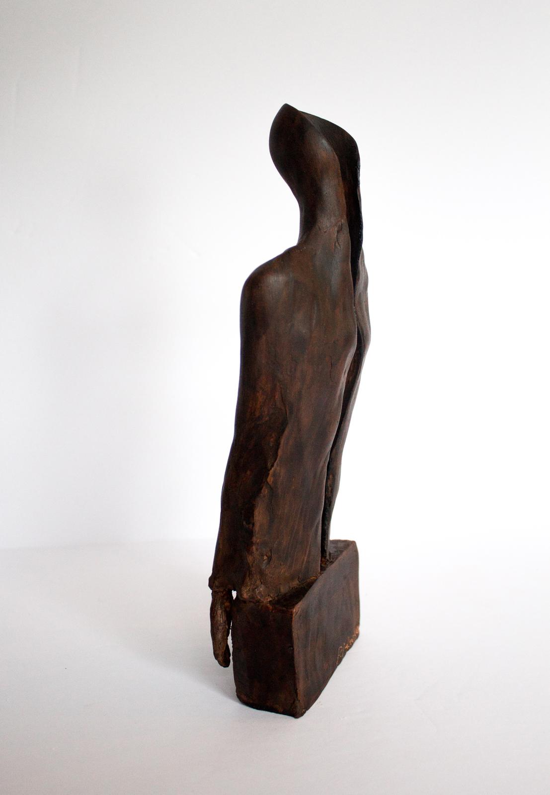 Woman Figure 12.27.8 cm painted terracotta
