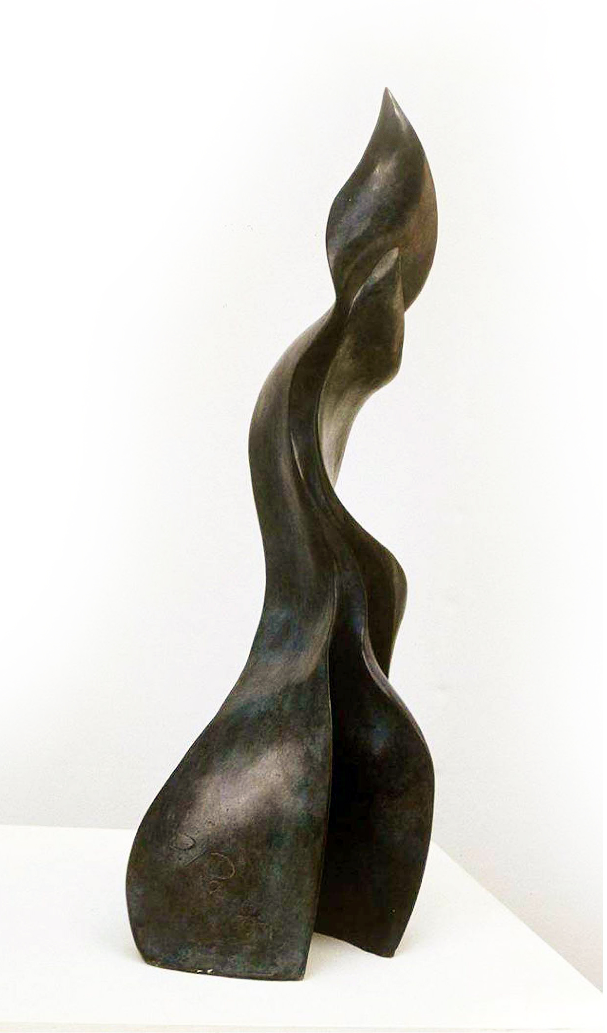 Flame 62.25.25cm patinated terracotta