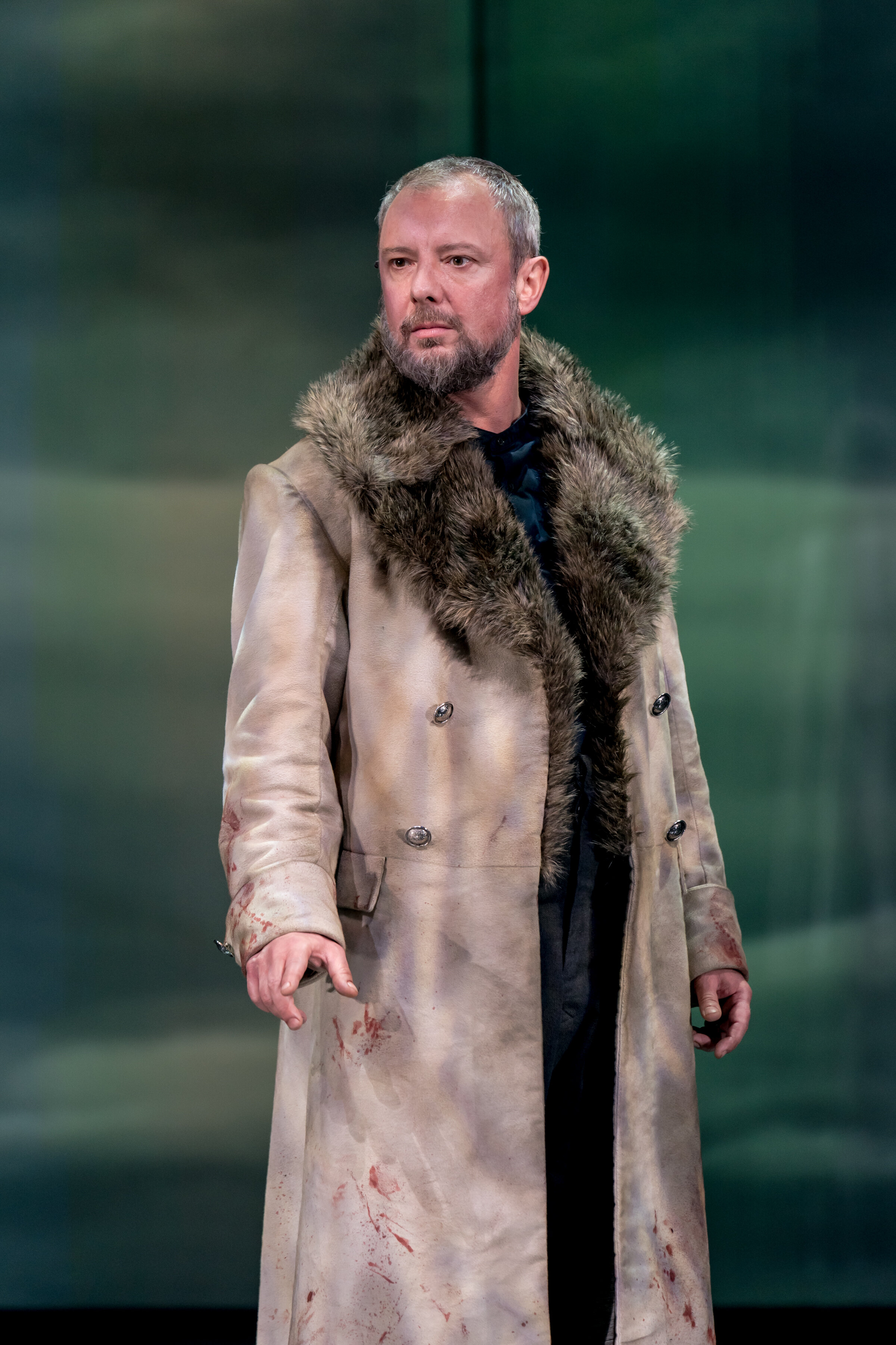 John Simm in the title role of MACBETH at Chichester Festival Theatre Photo Manuel Harlan-203.jpg