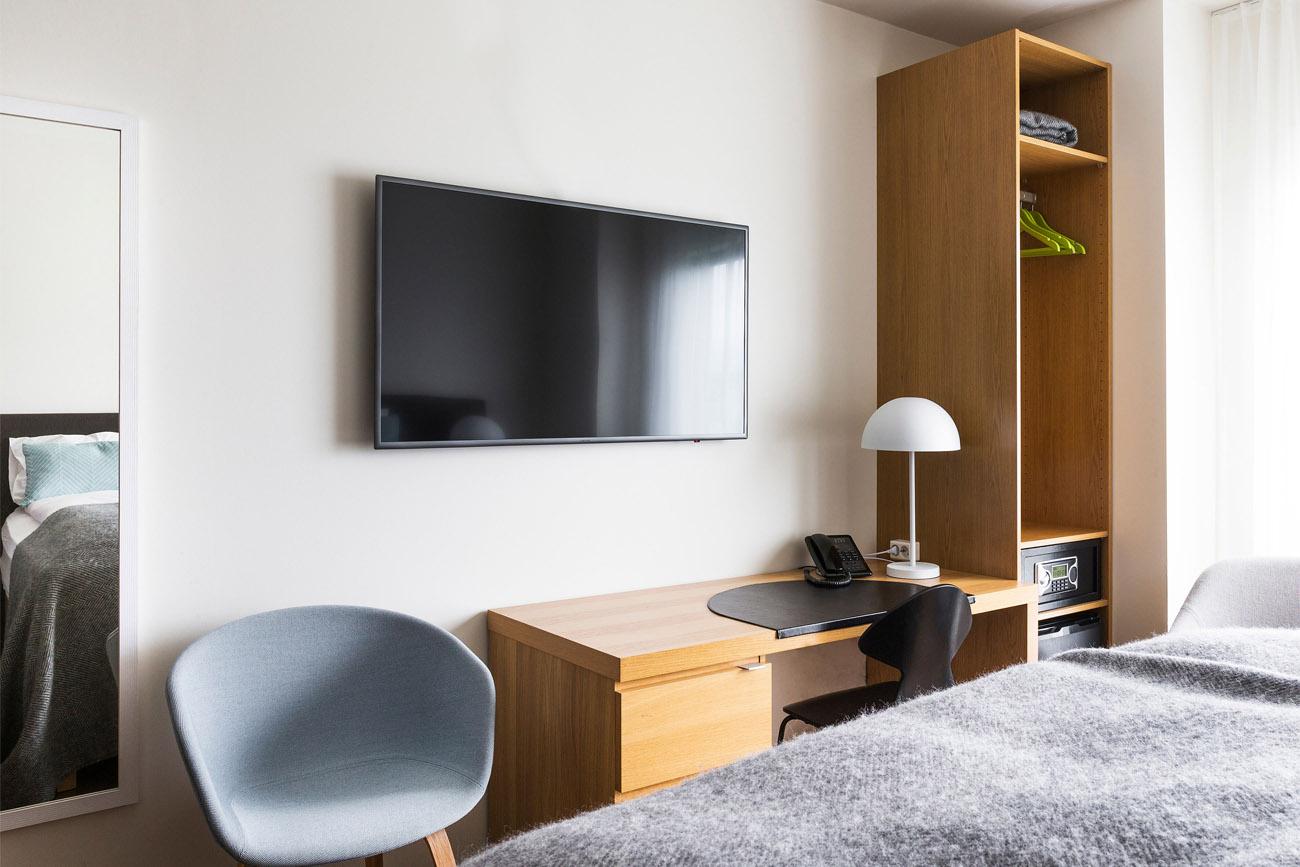 Hotel_Berg_Standard_Room2.jpg