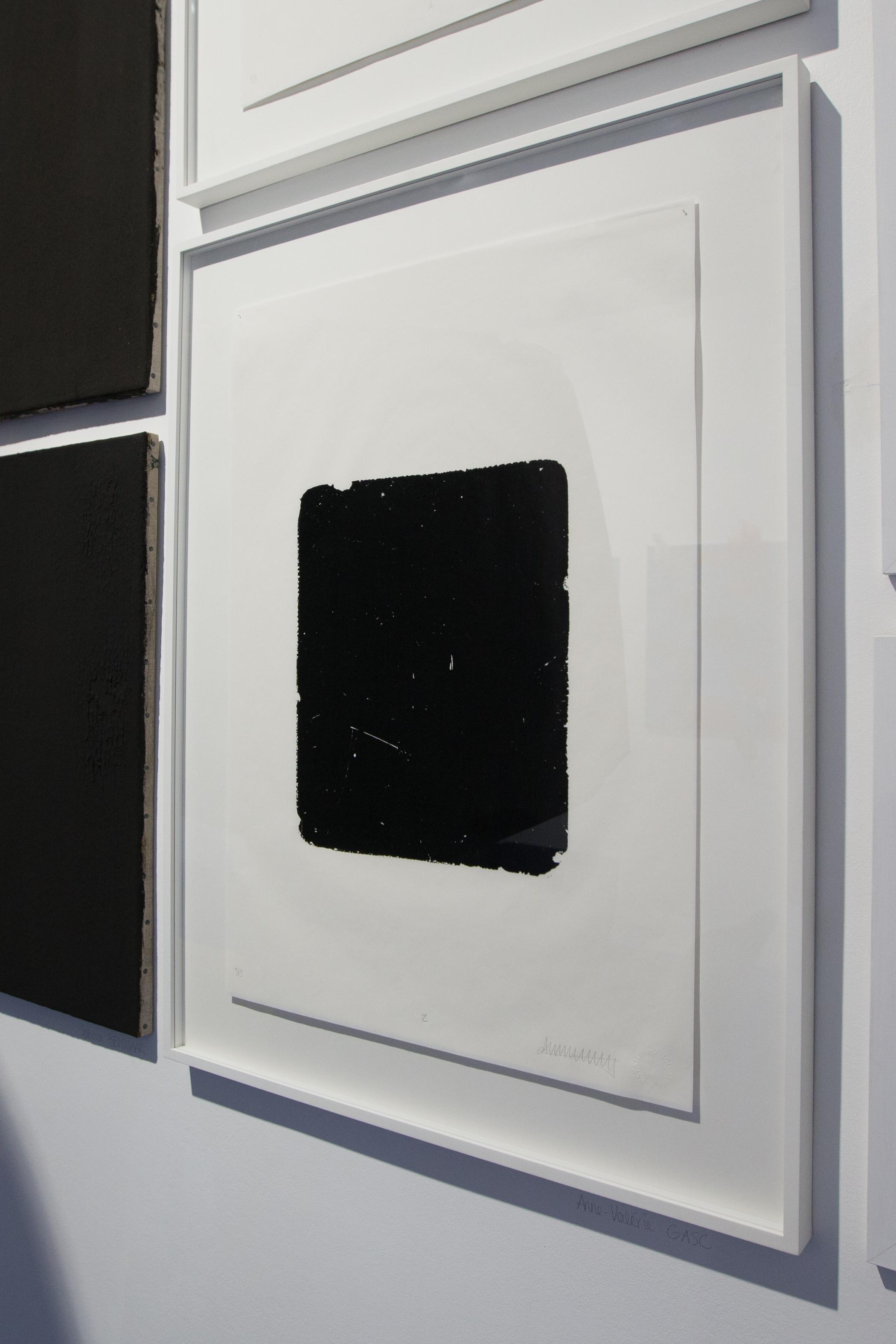 Anne-Valérie Gasc,  Twenty six blank rocks , 2017. Encre lithographique, papier Élémenta 45gr, 45 cm x 64 cm