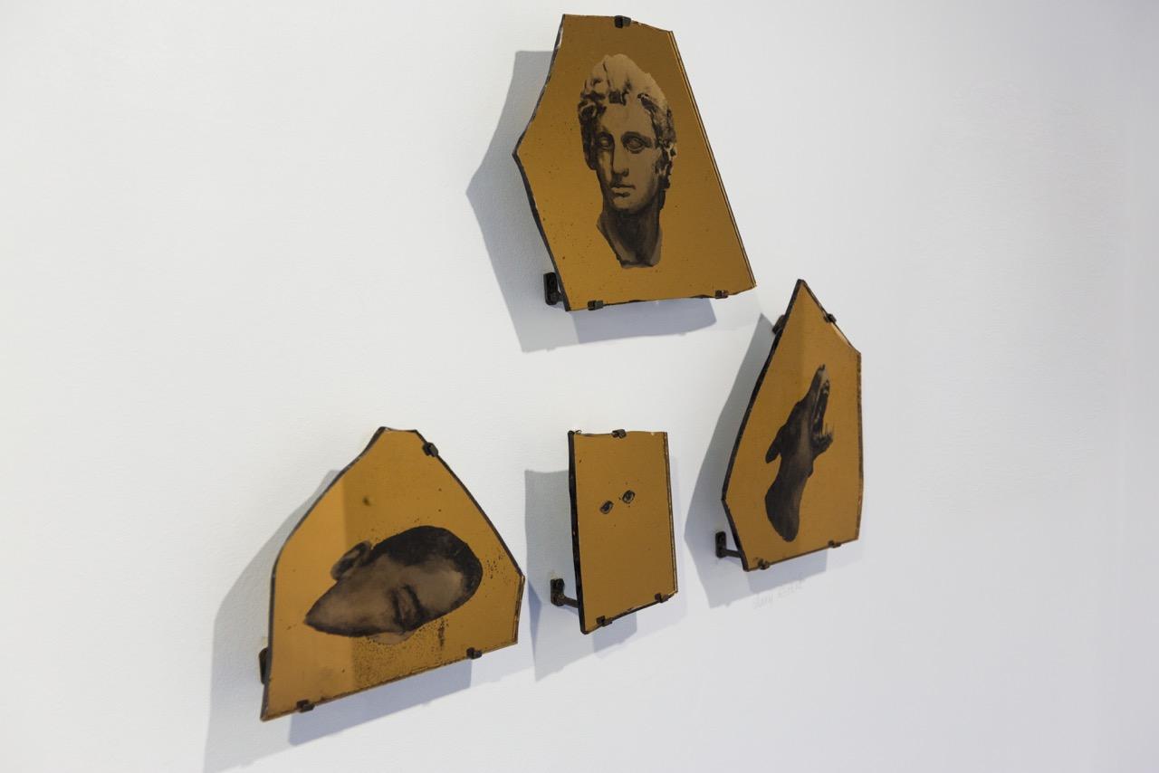 Vue d'ensemble des œuvres de Lenny Rébéré, 2017. Verre gravé, encre, dimensions variables