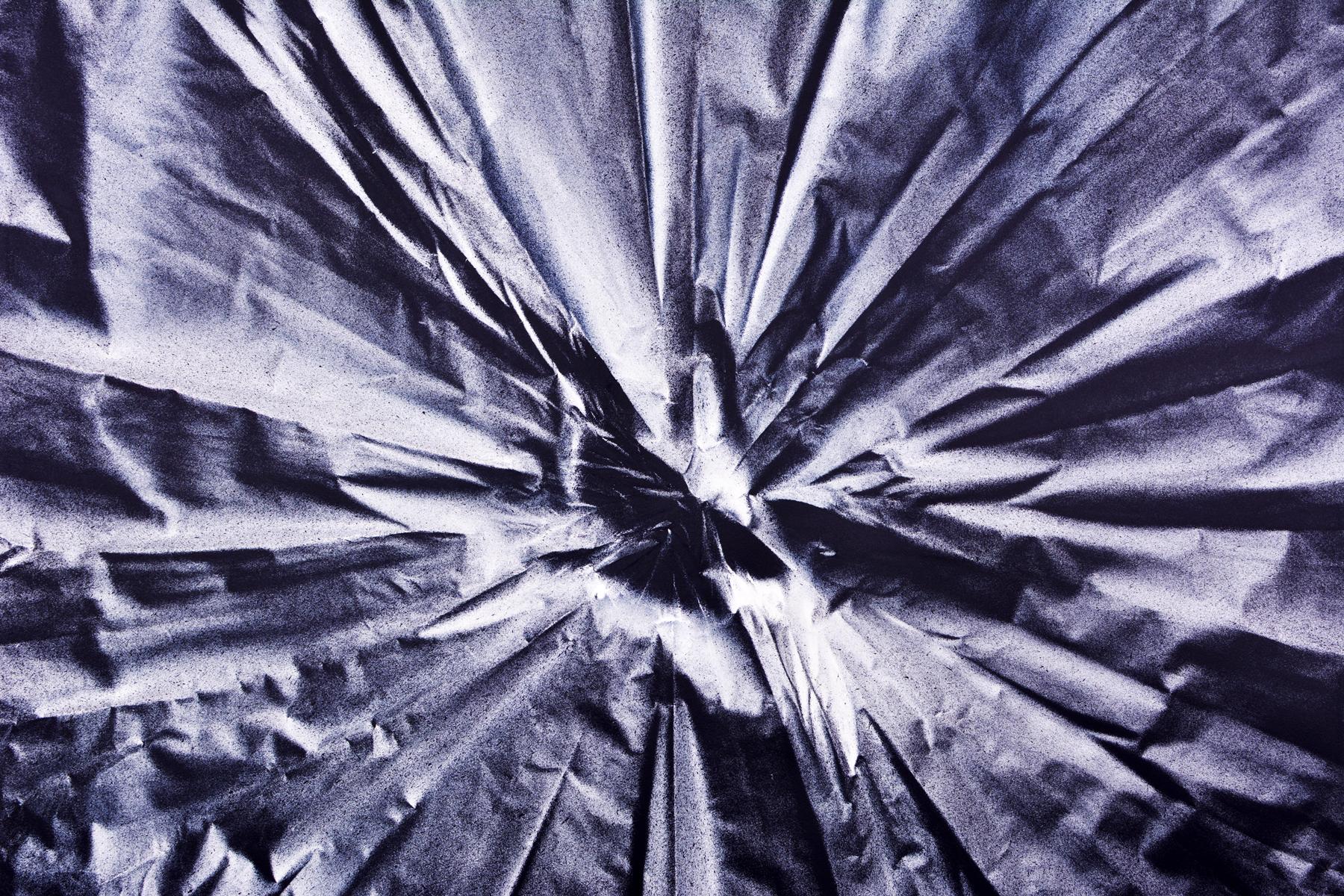 Benjamin Ottoz_ Double V Gallery_115x180cm Noir Bleu (3).jpg