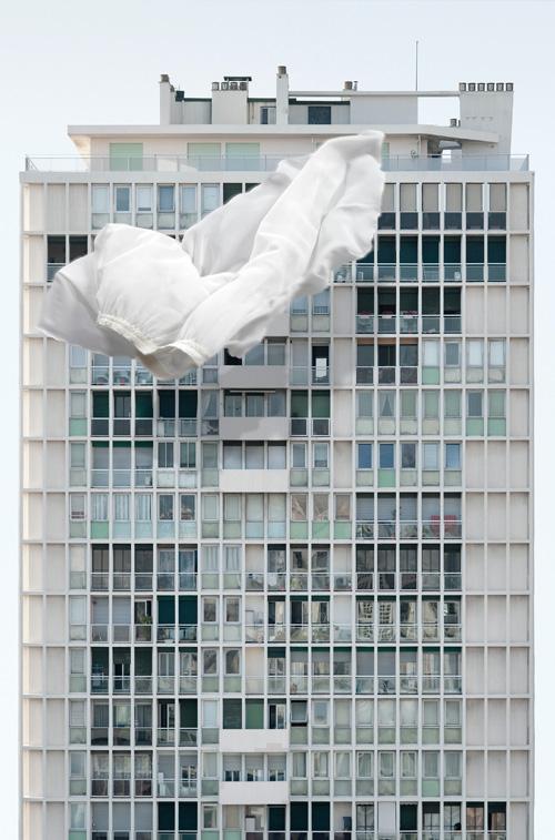 MichèleSylvander_DoubleVGallery_Marseille-Face à elle 2012 Tirage pigmentaire sur Canson photo satin, 270g, 125 x 80 cm.jpg