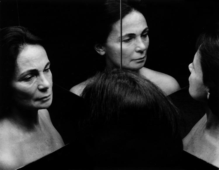 MichèleSylvander_DoubleVGallery_Marseille-La conversation 1995 Tirage pigmentaire sur Canson photo 270gr, 110x90 cm.jpg