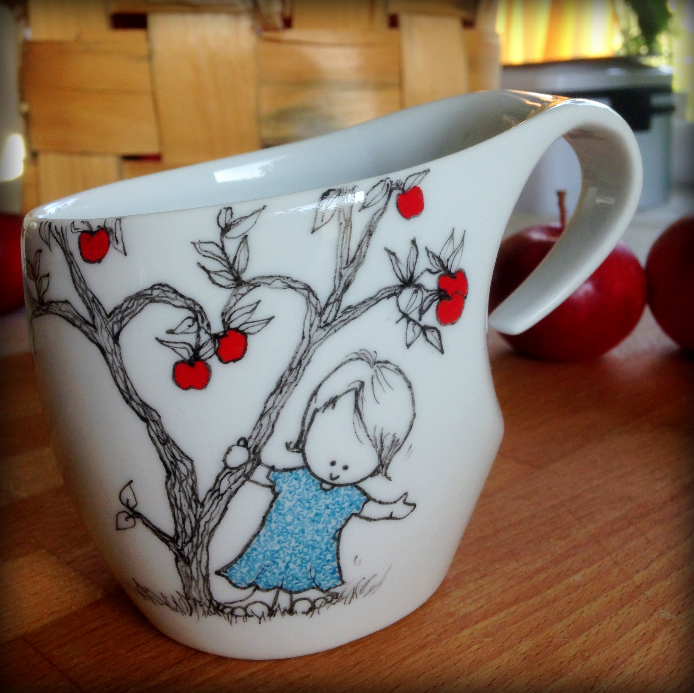 Next, some paint and firing and the mug is ready!