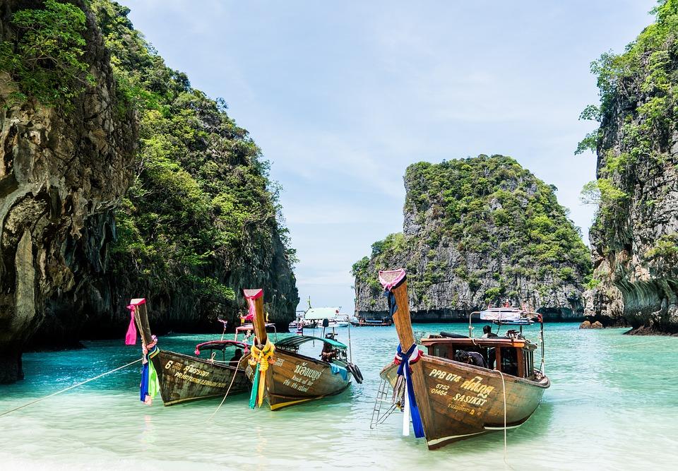 Thailand Season: December - March   Similan Islands / Ayutthaya / Bangkok / Phang Nga Bay / Khao Sok / Ko Phi Phi / Sukhothai / culinary tours / island hopping / temples