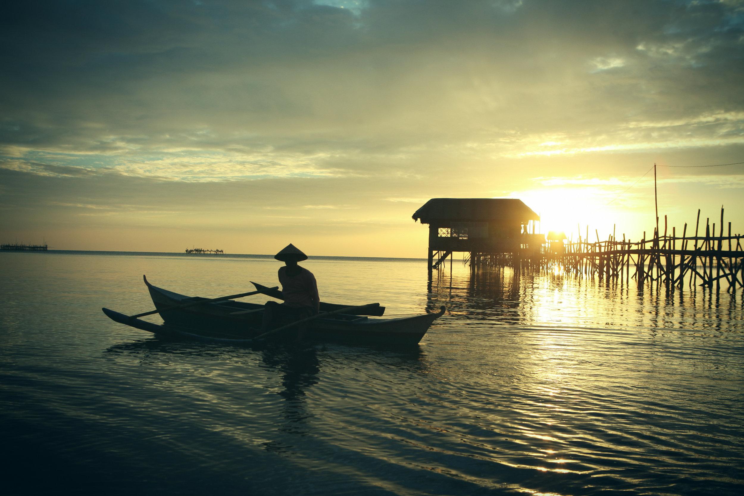 Philippines Season: November - April   Manila / Palawan / Coron / Boracay / Banaue / diving / snorkeling / sailing / surfing / island hopping / hang with the locals