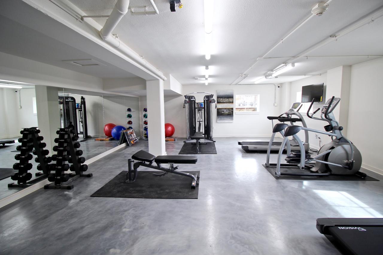 Plaza 209 Fitness Room   Kansas City Plaza Apartments