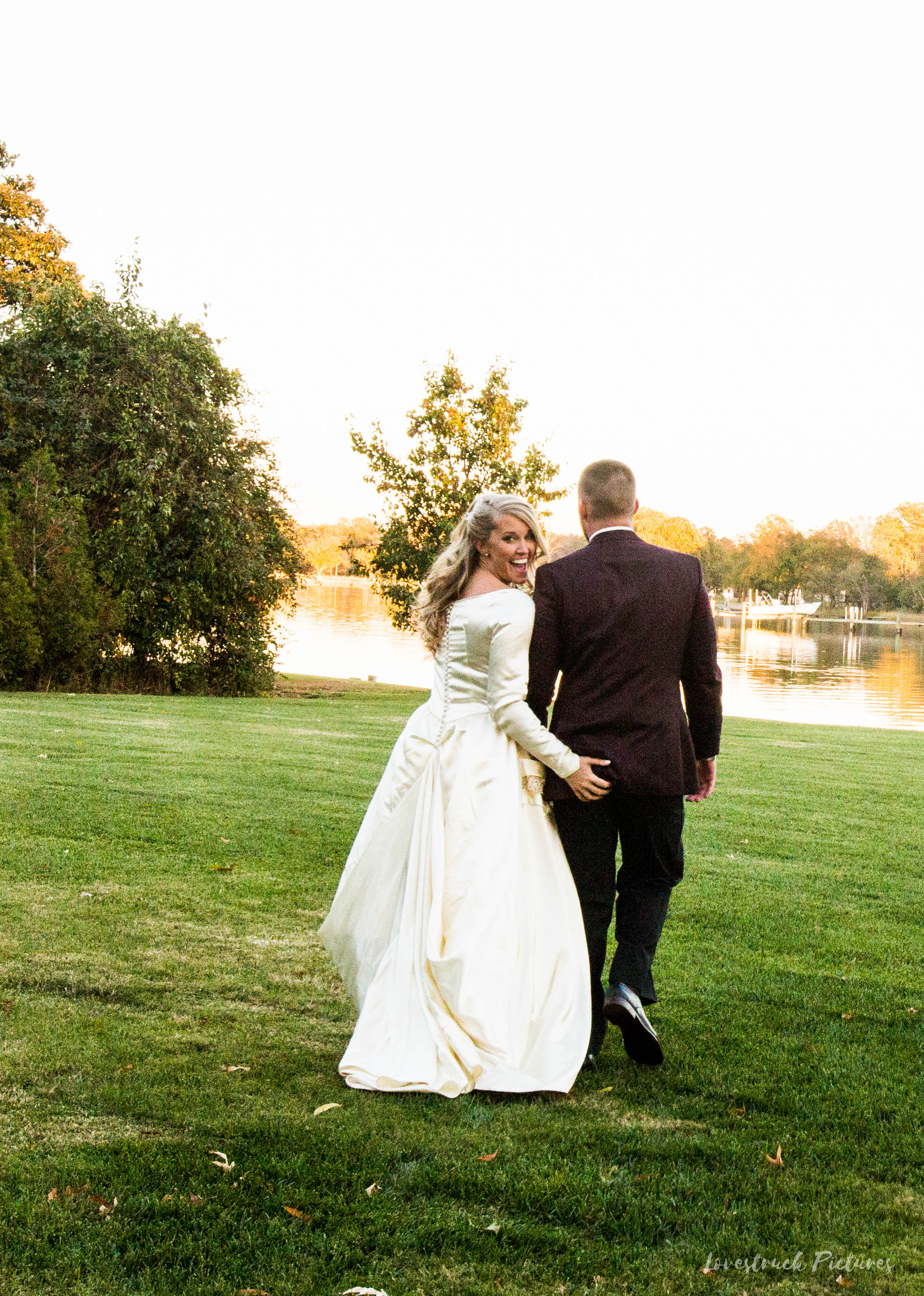 THE_OAKS_ON_THE_WATERFRONT_MARYLAND_WEDDING--9560.jpg