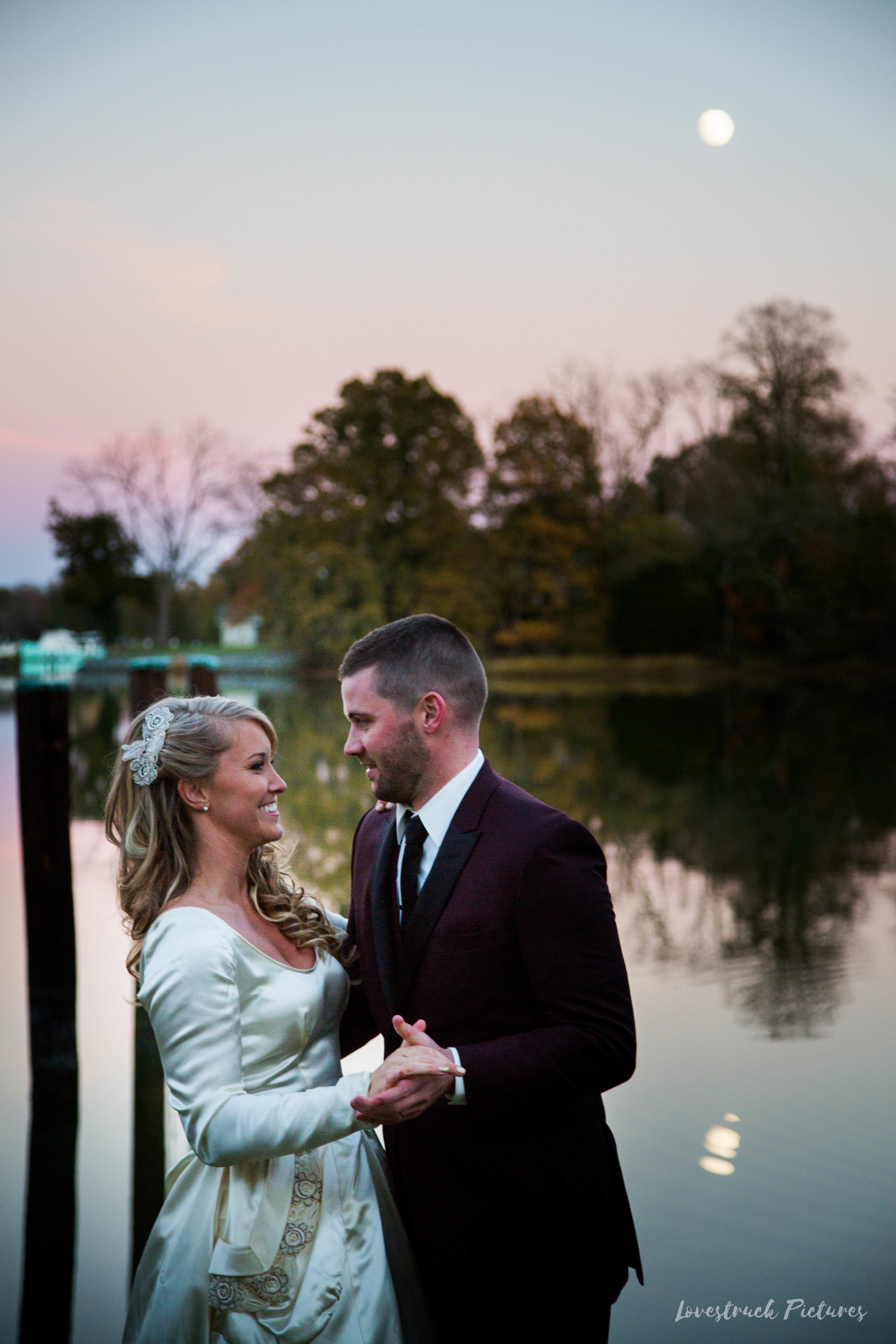THE_OAKS_ON_THE_WATERFRONT_MARYLAND_WEDDING--9710.jpg