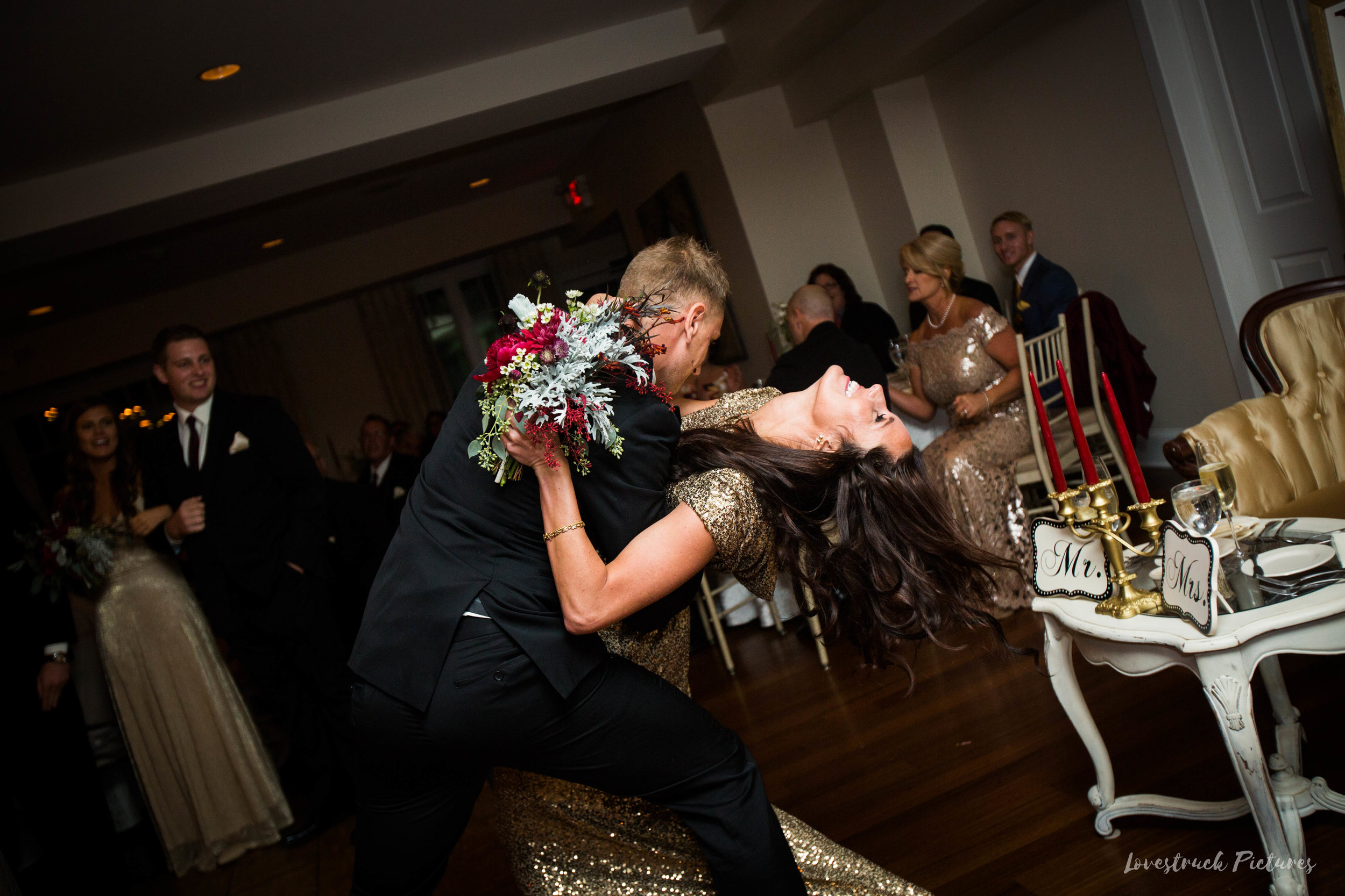THE_OAKS_ON_THE_WATERFRONT_MARYLAND_WEDDING--9846.jpg