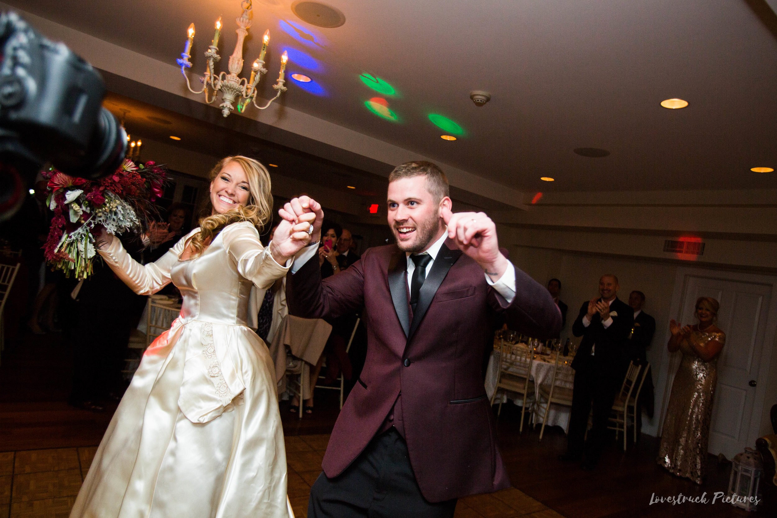 THE_OAKS_ON_THE_WATERFRONT_MARYLAND_WEDDING--9861.jpg